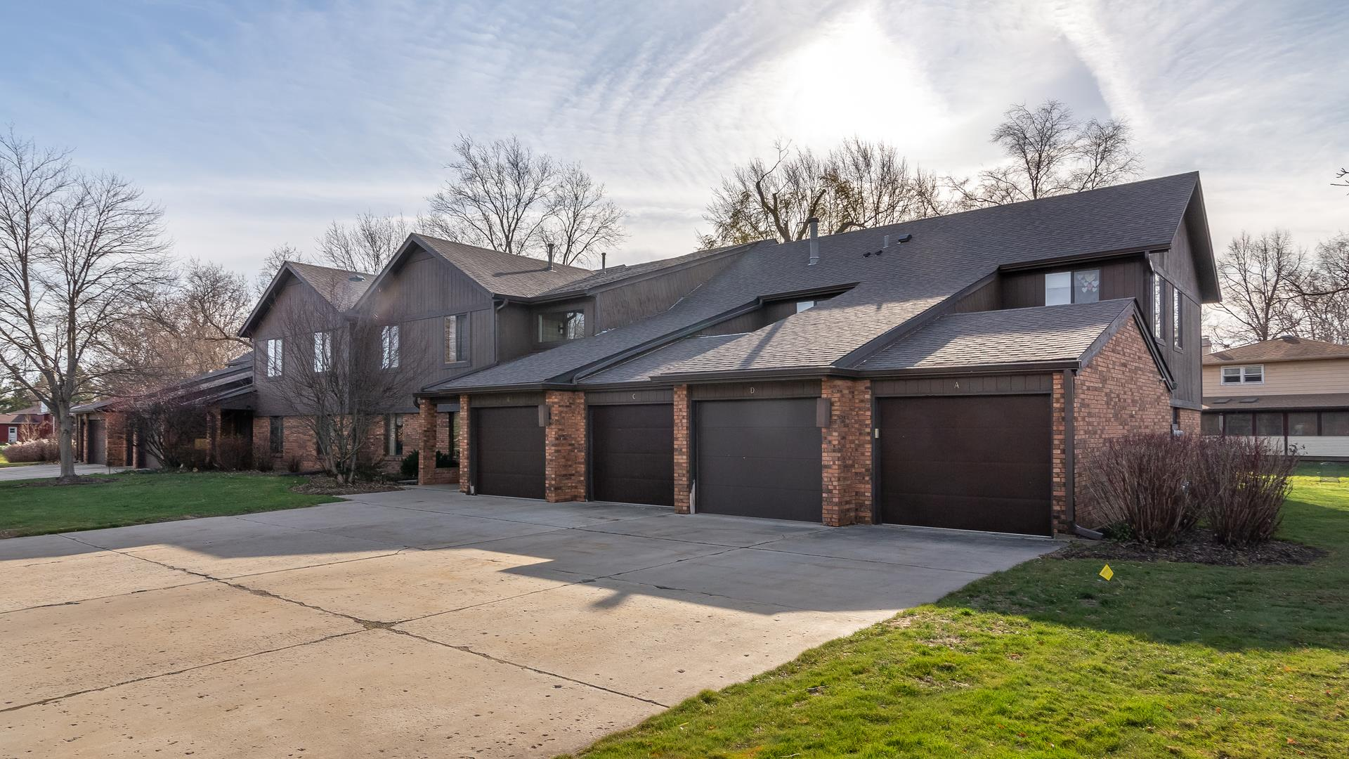 9 Creekside Circle #B, Elgin, IL 60123 - #: 10938357