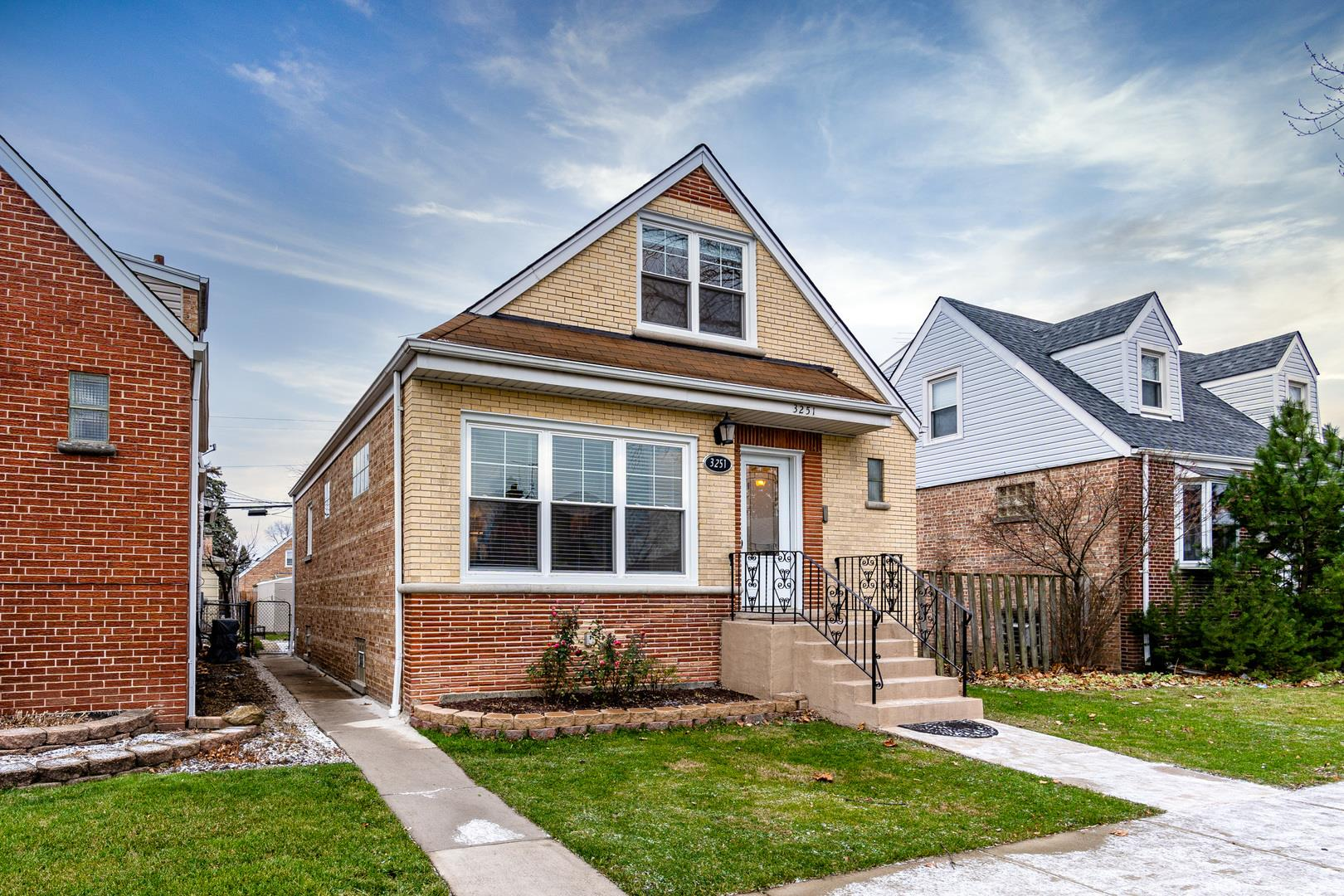3251 N Oleander Avenue, Chicago, IL 60634 - #: 10961367