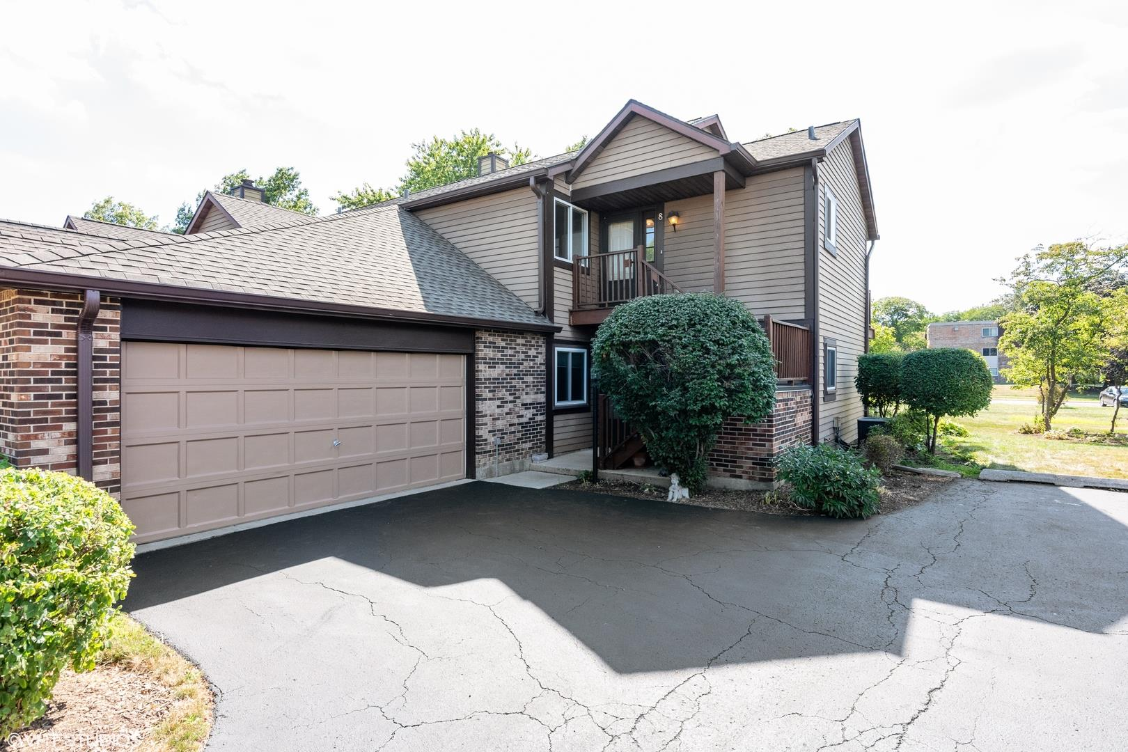 380 Sandhurst Circle #8, Glen Ellyn, IL 60137 - #: 10787369