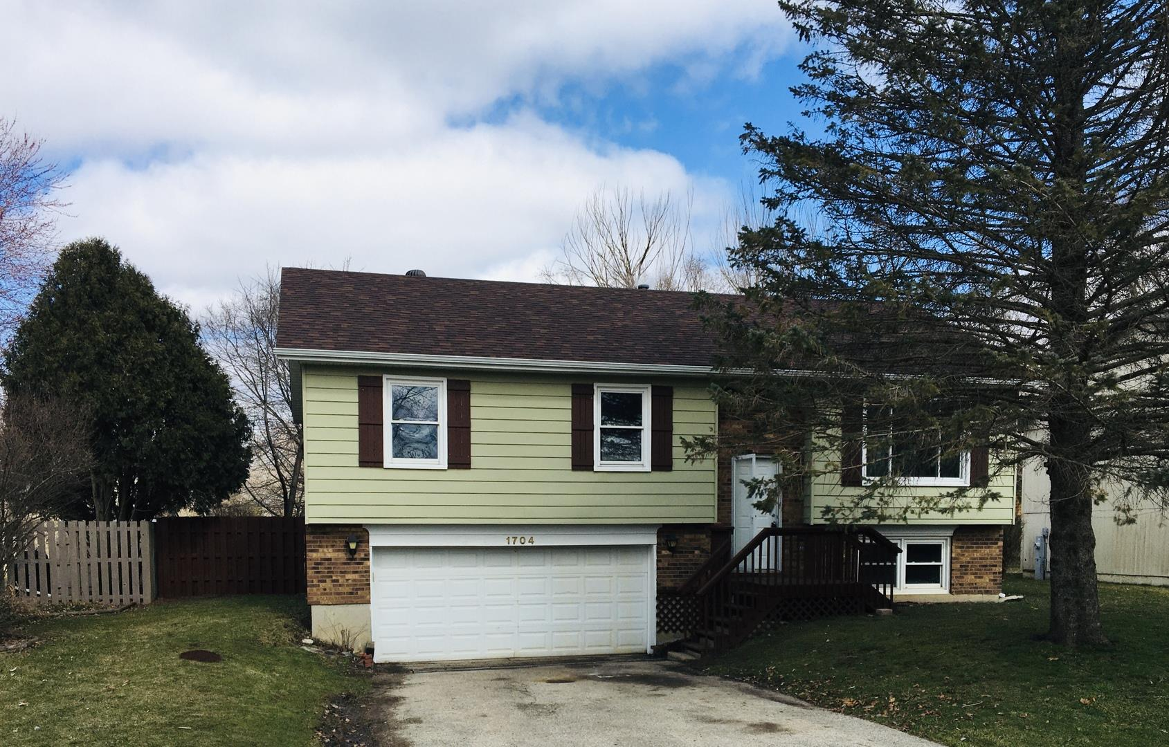 1704 BRENTWOOD Lane, McHenry, IL 60050 - #: 10743374