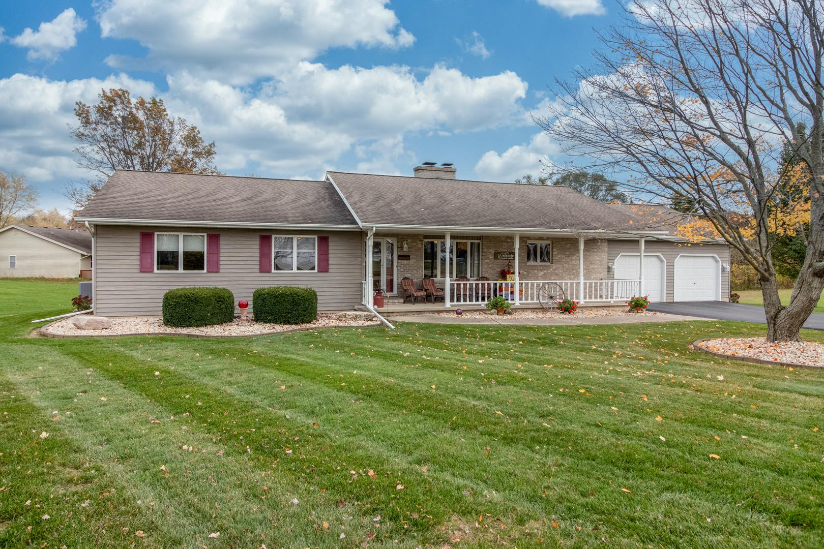 339 OUTER Drive, Lake Holiday, IL 60552 - #: 10921374