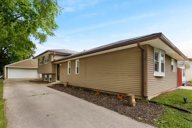 28W588  Donald, West Chicago, IL 60185 - #: 10444379