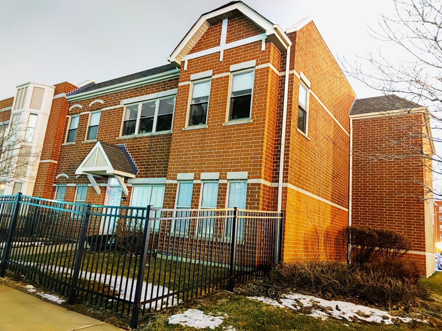6710 S Keating Avenue #104, Chicago, IL 60629 - #: 10976381