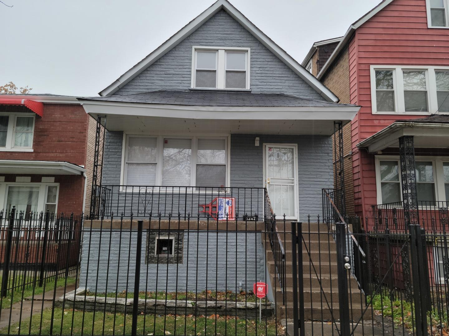 8342 S KINGSTON Avenue, Chicago, IL 60617 - #: 10949382
