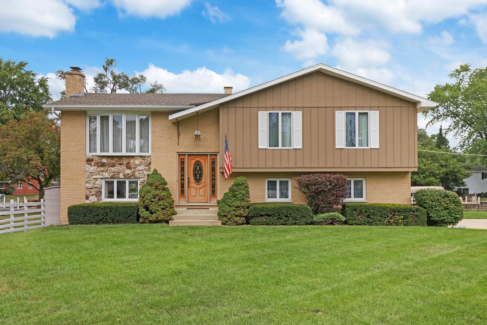 3000 Miller Drive, McHenry, IL 60050 - #: 11179383