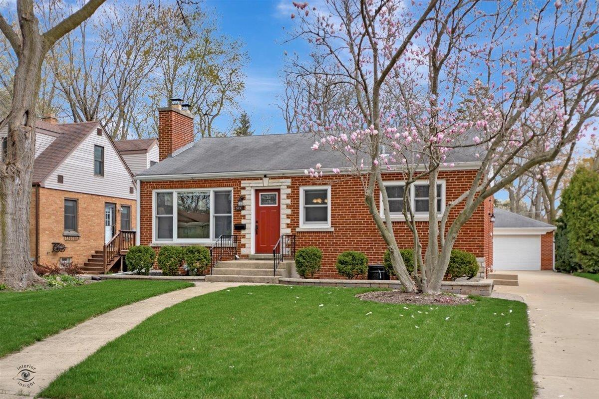 5737 Hillcrest Road, Downers Grove, IL 60516 - #: 11064386