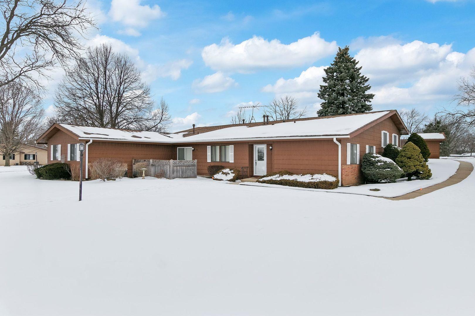 812 Wiltshire Drive #4, McHenry, IL 60050 - #: 10971388