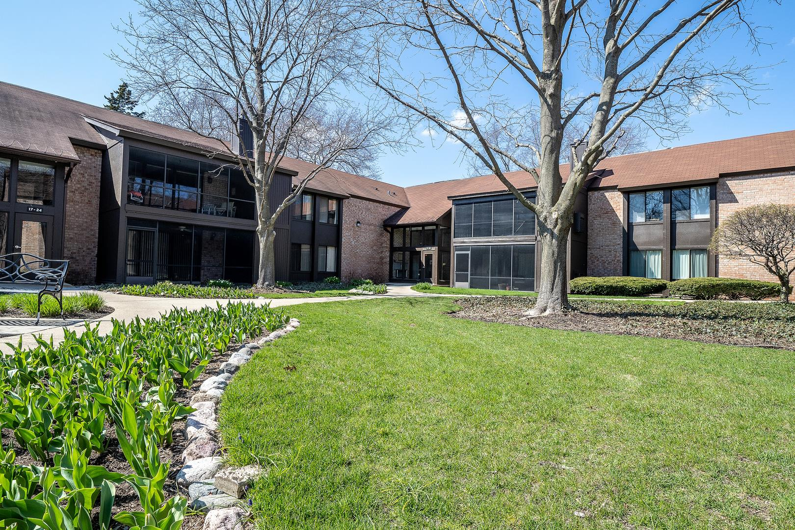 710 Saint Andrews Lane #10, Crystal Lake, IL 60014 - #: 10693393