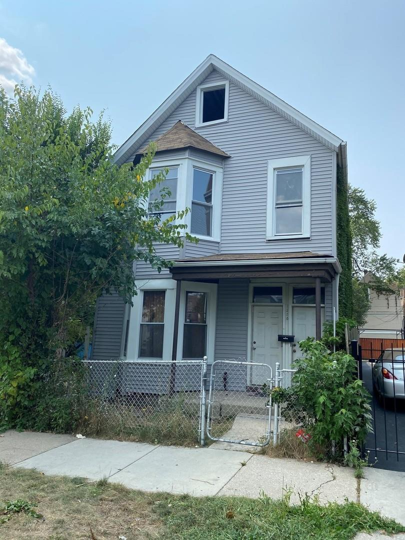 2258 S Kolin Avenue, Chicago, IL 60623 - #: 10935397