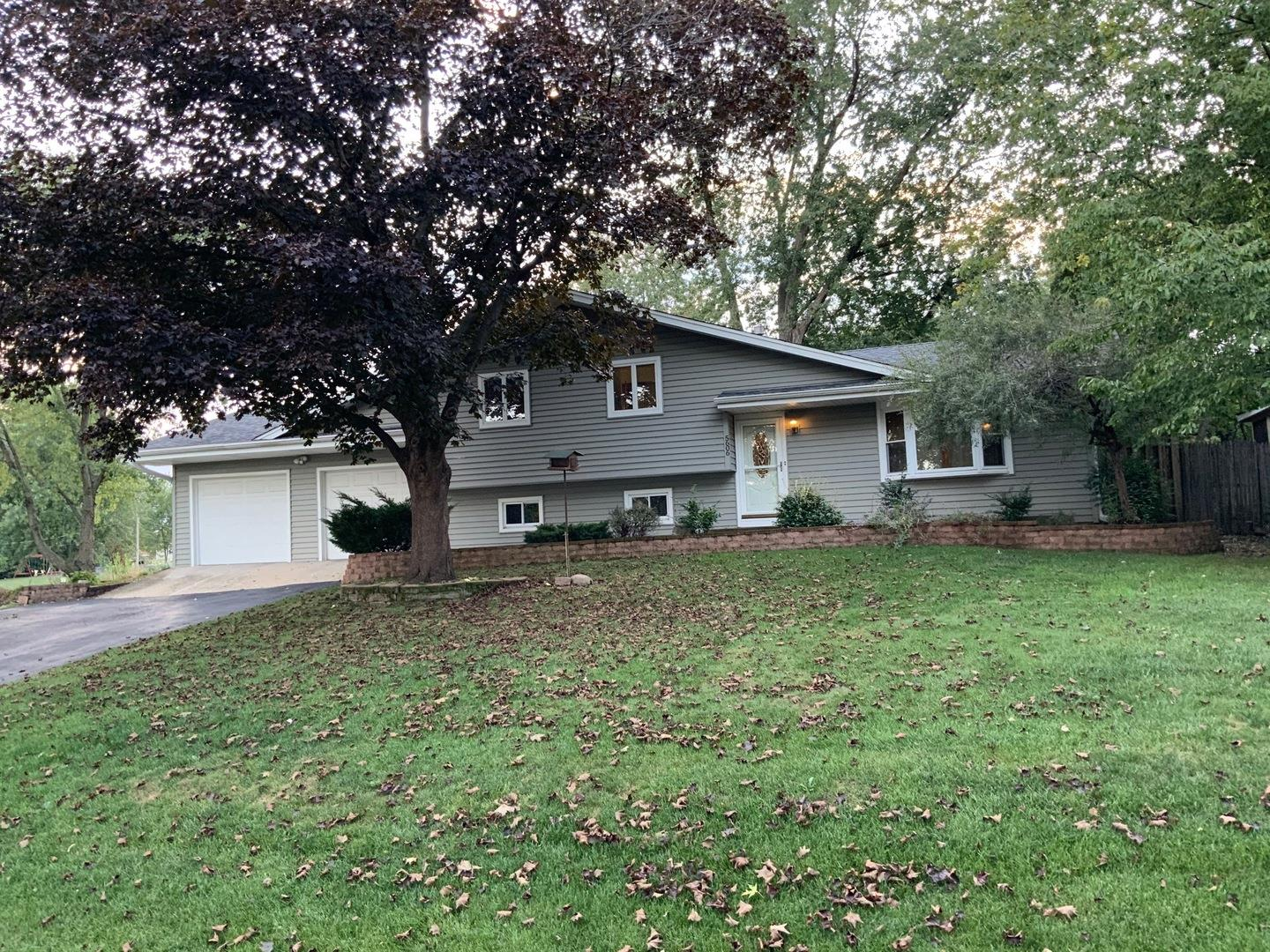 5606 S Pershing Avenue, Downers Grove, IL 60516 - #: 10906404