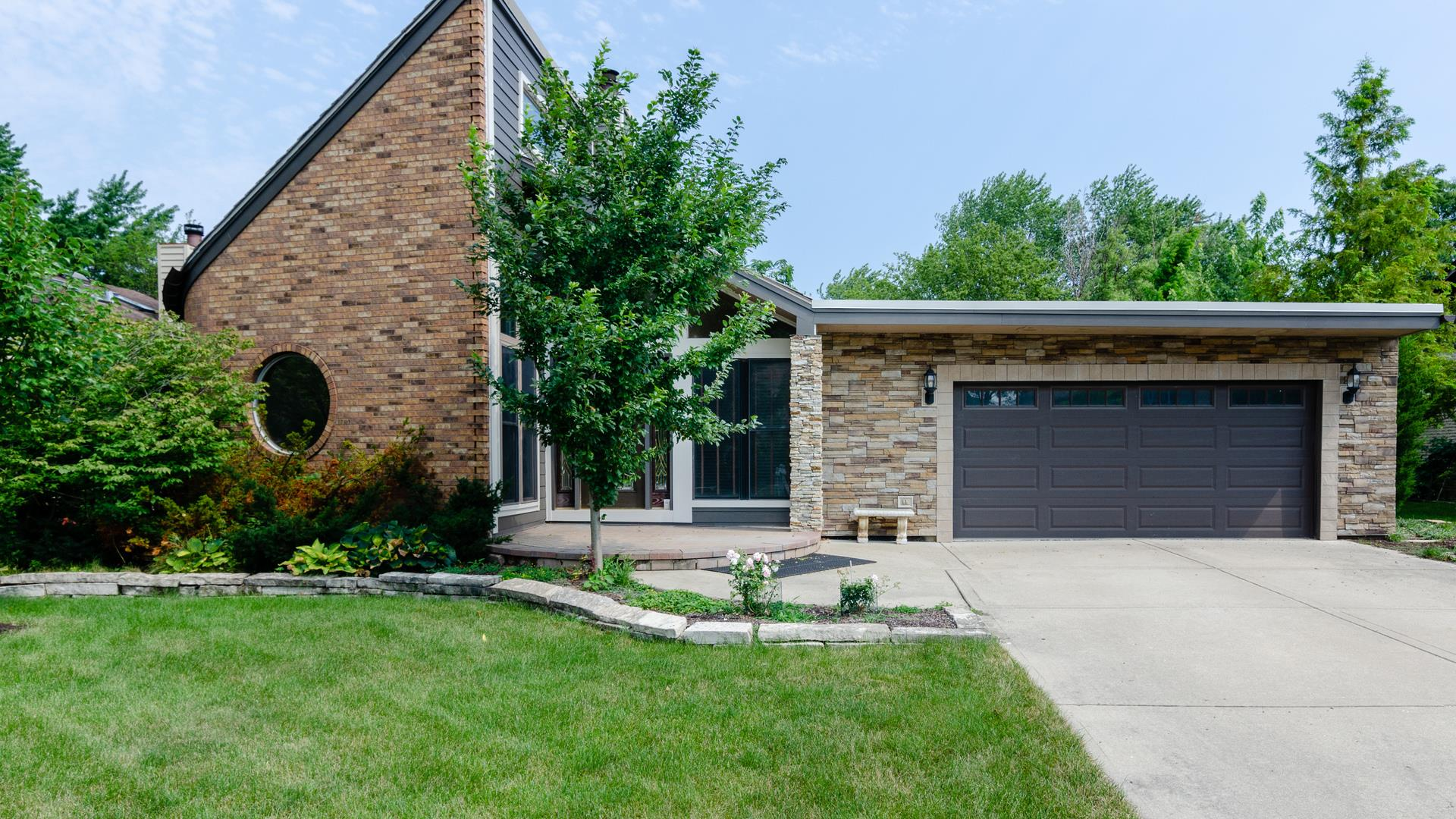 908 Claremont Drive, Downers Grove, IL 60516 - #: 11135405