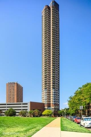 3660 N Lake Shore Drive #3205, Chicago, IL 60613 - #: 10700414