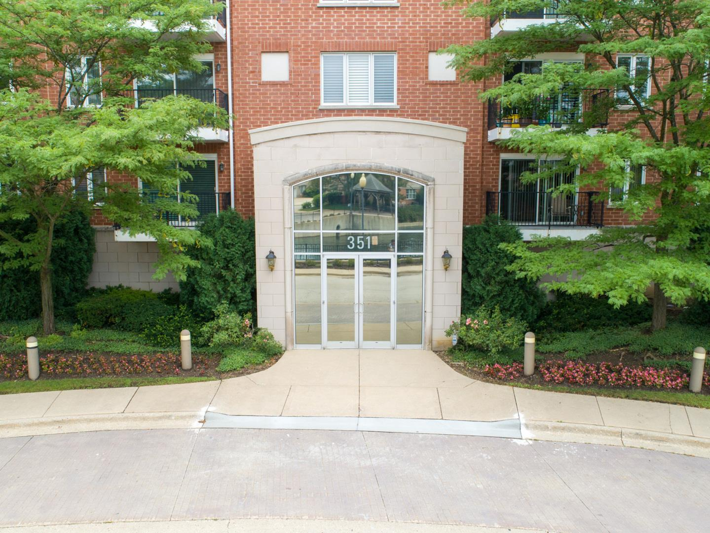 351 Town Place Circle #302, Buffalo Grove, IL 60089 - #: 10930422