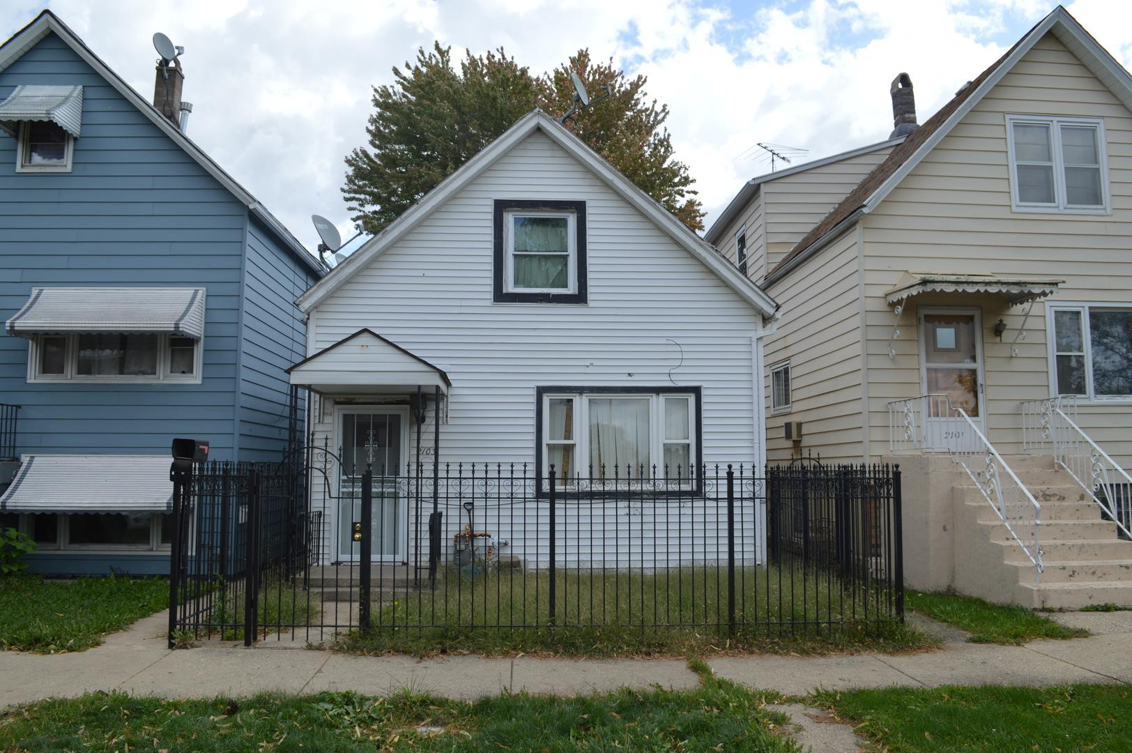 2103 N Long Avenue, Chicago, IL 60639 - #: 10887427