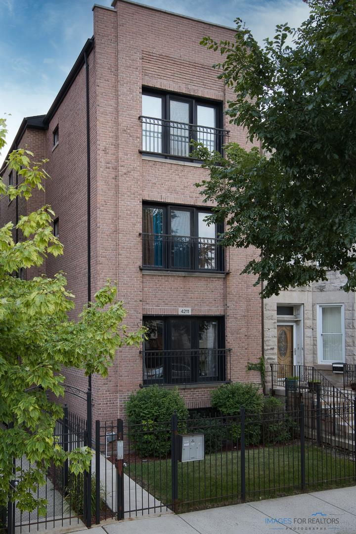 4211 S Vincennes Avenue #1, Chicago, IL 60653 - #: 11012427