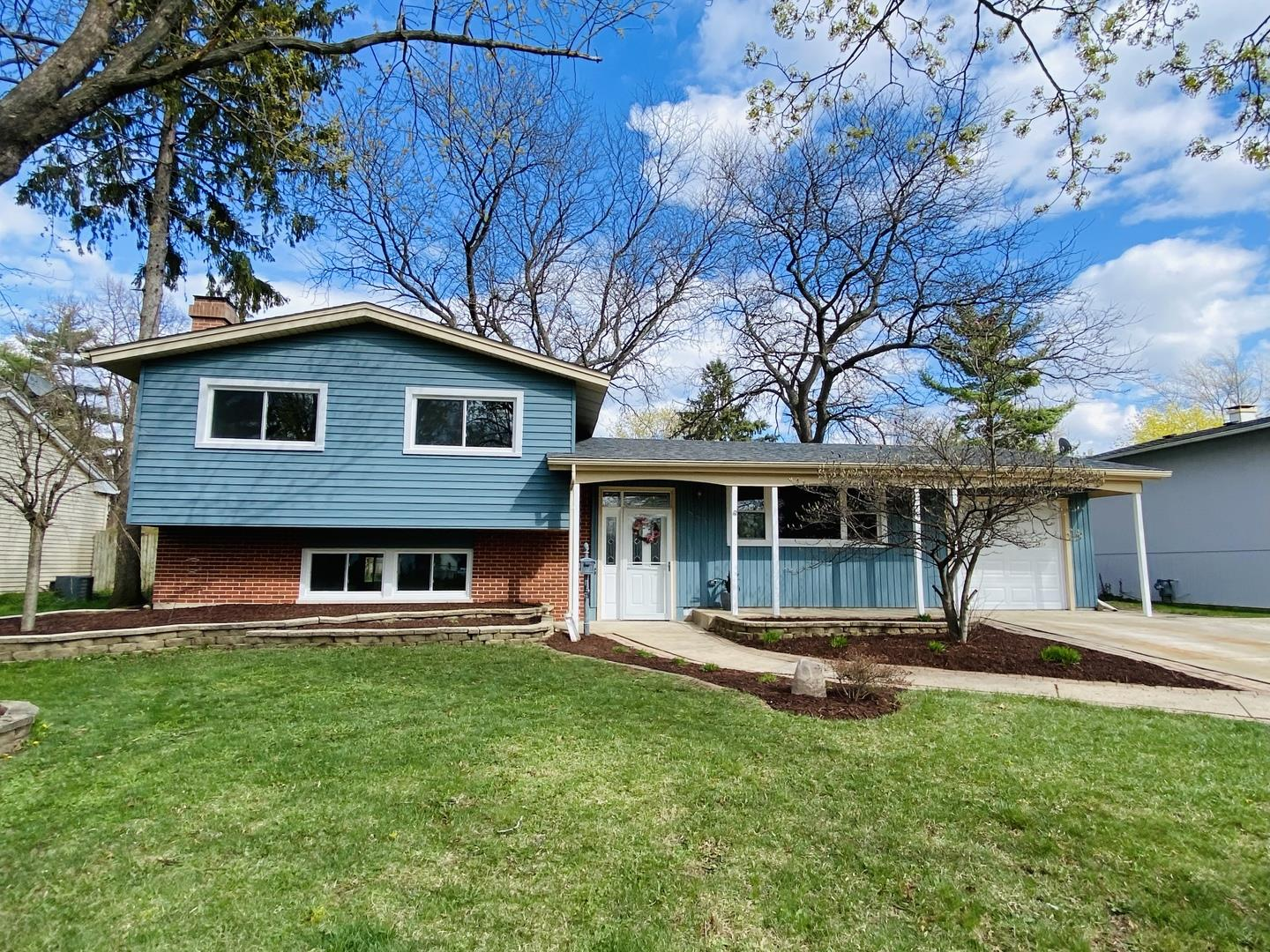 885 Cambridge Lane, Crystal Lake, IL 60014 - #: 11055429