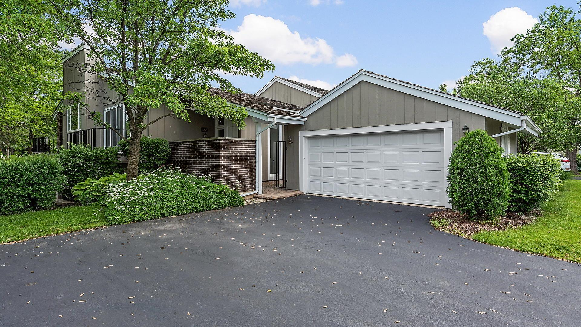 132 Briarwood Avenue, Oak Brook, IL 60523 - #: 10888432
