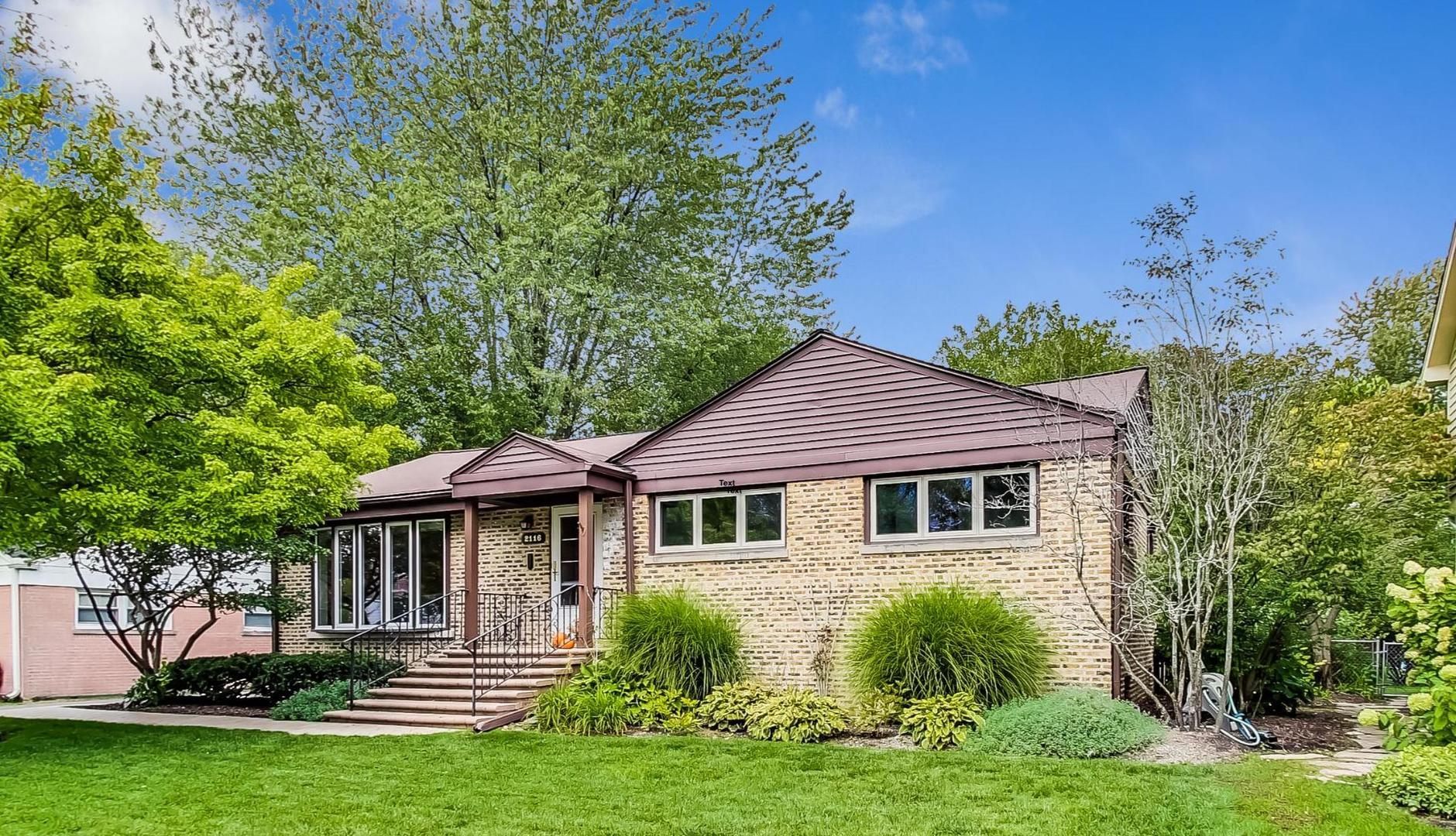 2116 Oak Avenue, Northbrook, IL 60062 - #: 10916434