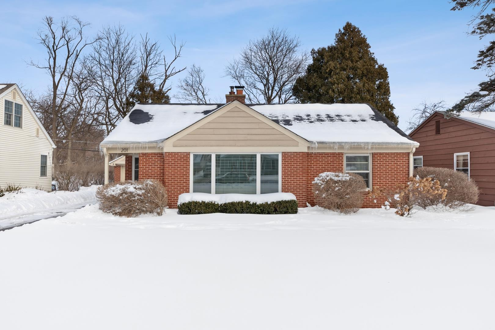 201 Ridge Avenue, Crystal Lake, IL 60014 - #: 10987435