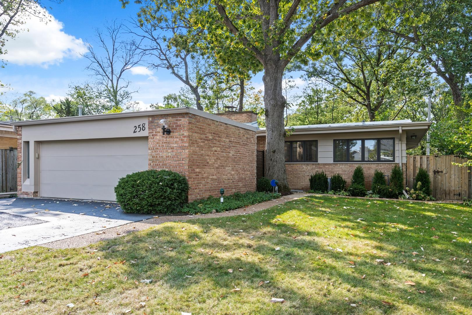 258 Wagner Road, Northfield, IL 60093 - #: 10882442