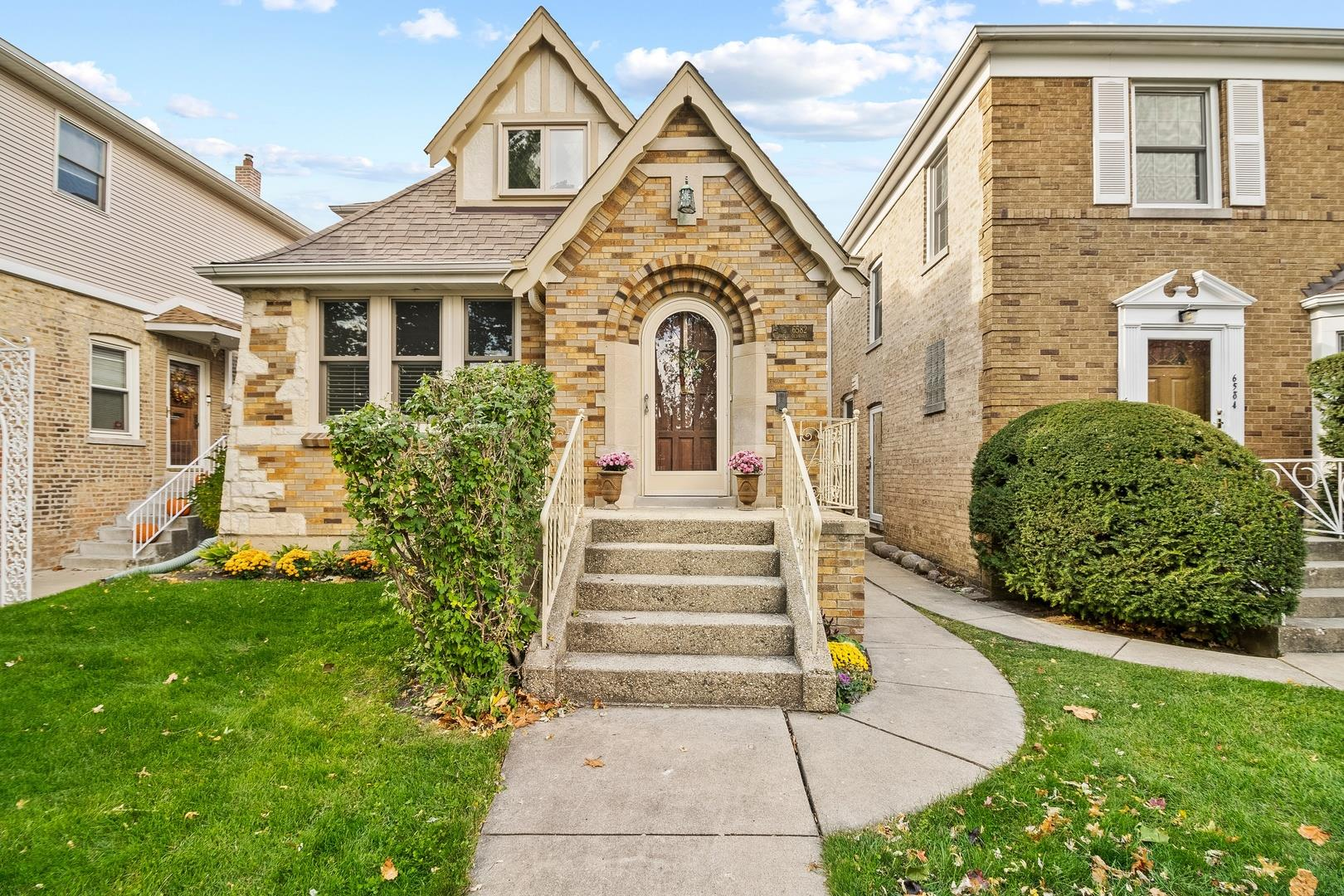 6582 N Oliphant Avenue, Chicago, IL 60631 - #: 10910444