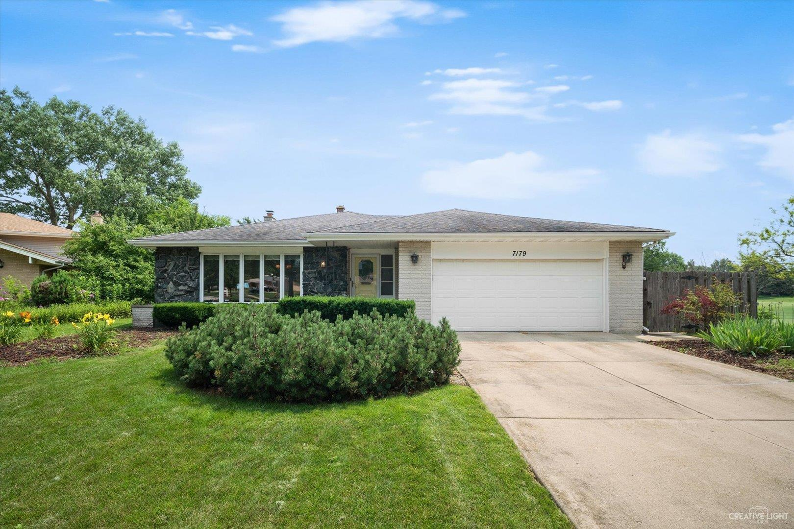 7179 Dexter Road, Downers Grove, IL 60516 - #: 11160454