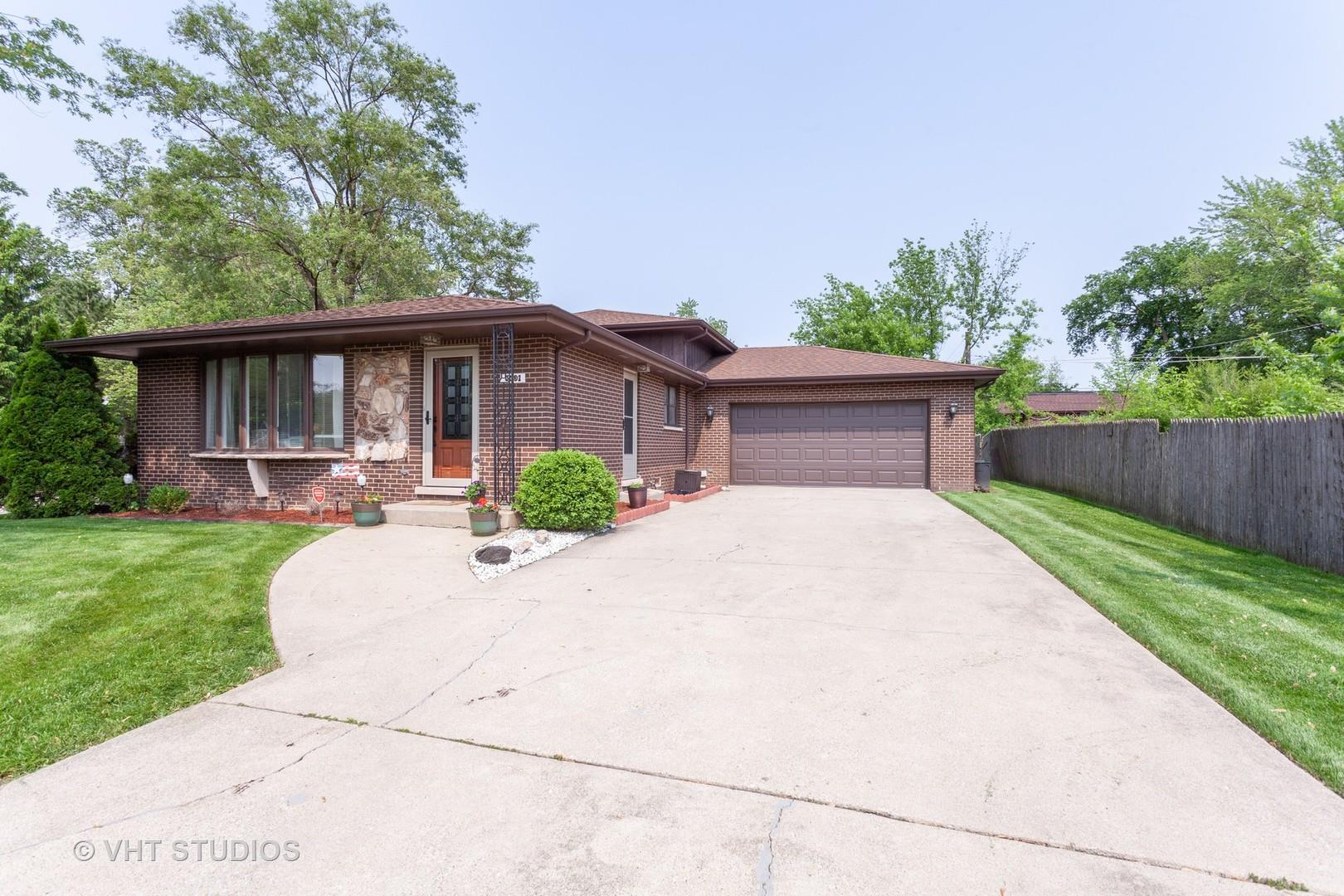 5501 Virginia Avenue, Clarendon Hills, IL 60514 - #: 10405458