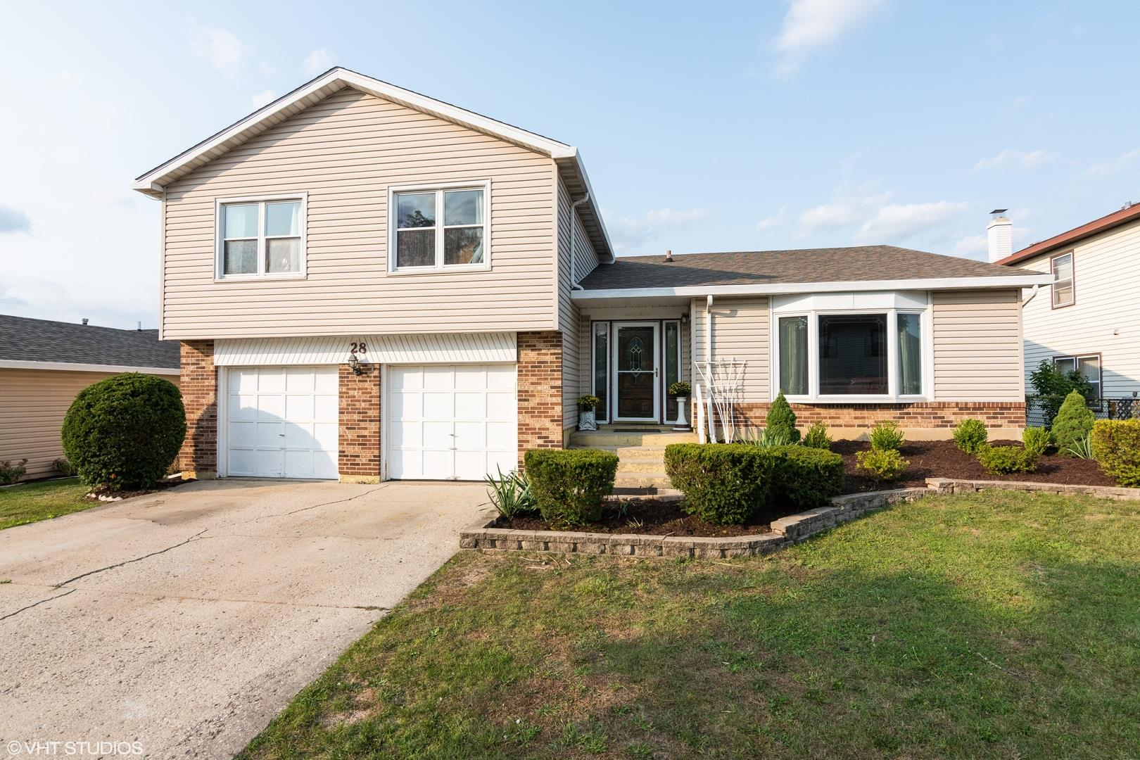 28 Brian Drive, Glendale Heights, IL 60139 - #: 10861458