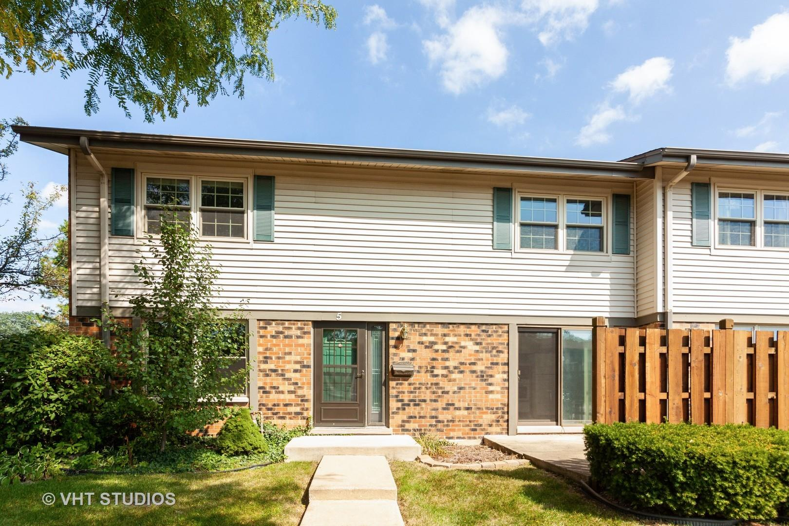 5 Winthrop Court, Downers Grove, IL 60516 - #: 10883465