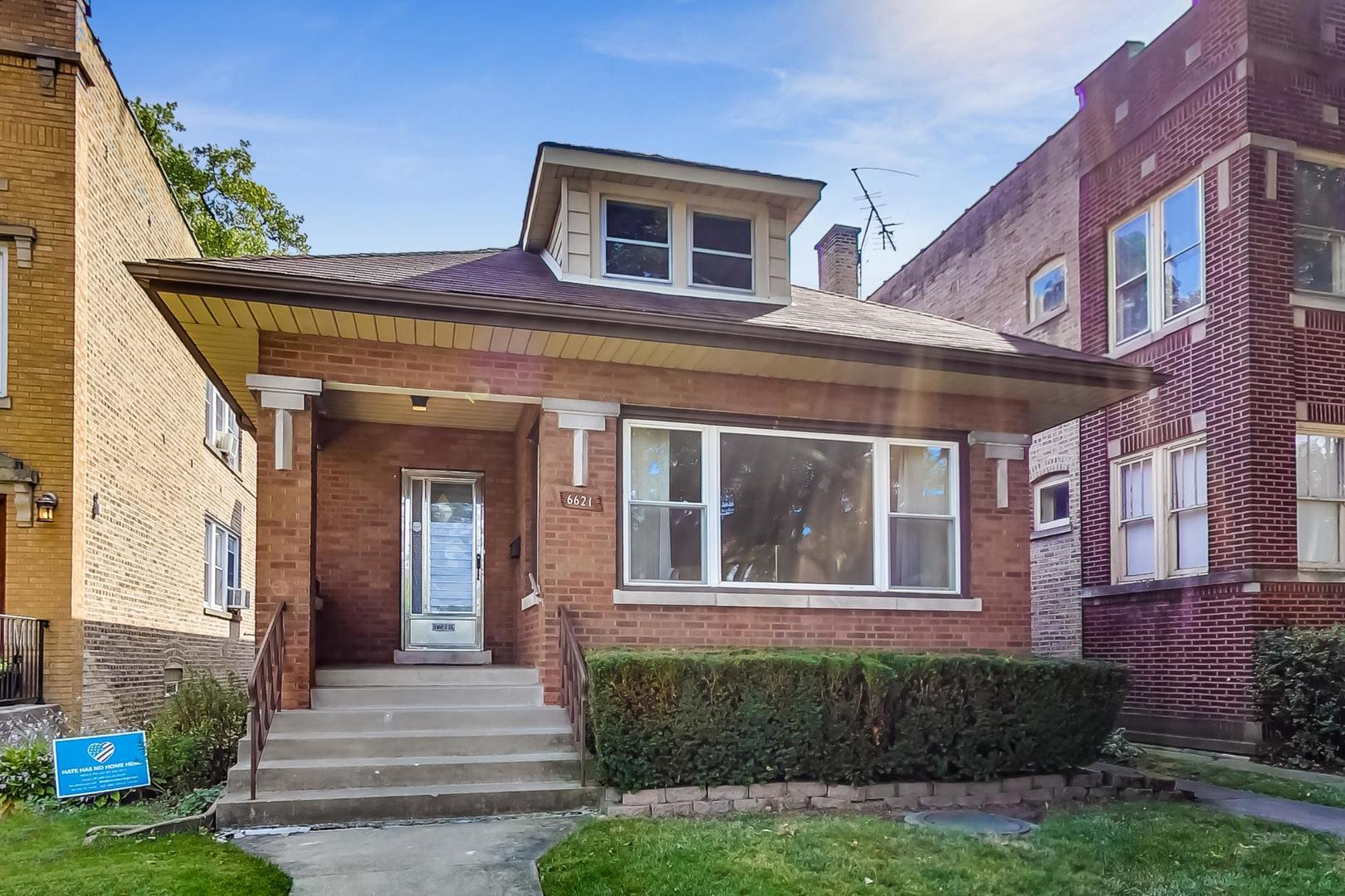 6621 N Rockwell Street, Chicago, IL 60645 - #: 10838466