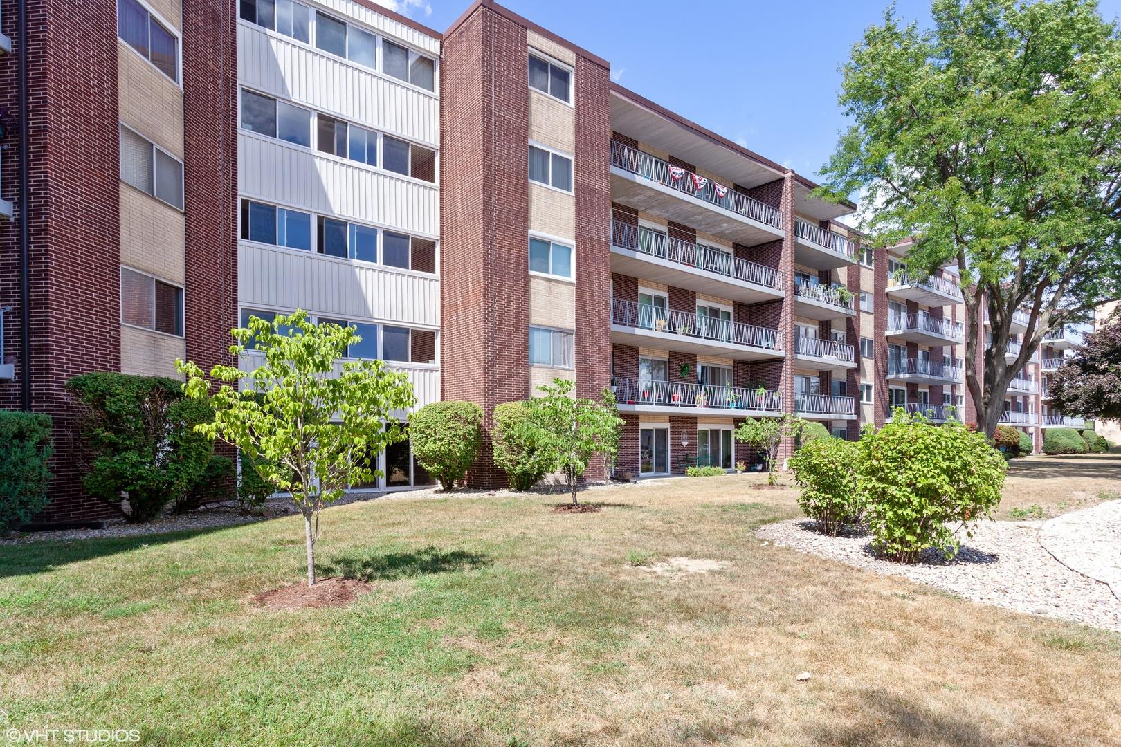 2900 Maple Avenue #9A, Downers Grove, IL 60515 - #: 10815471