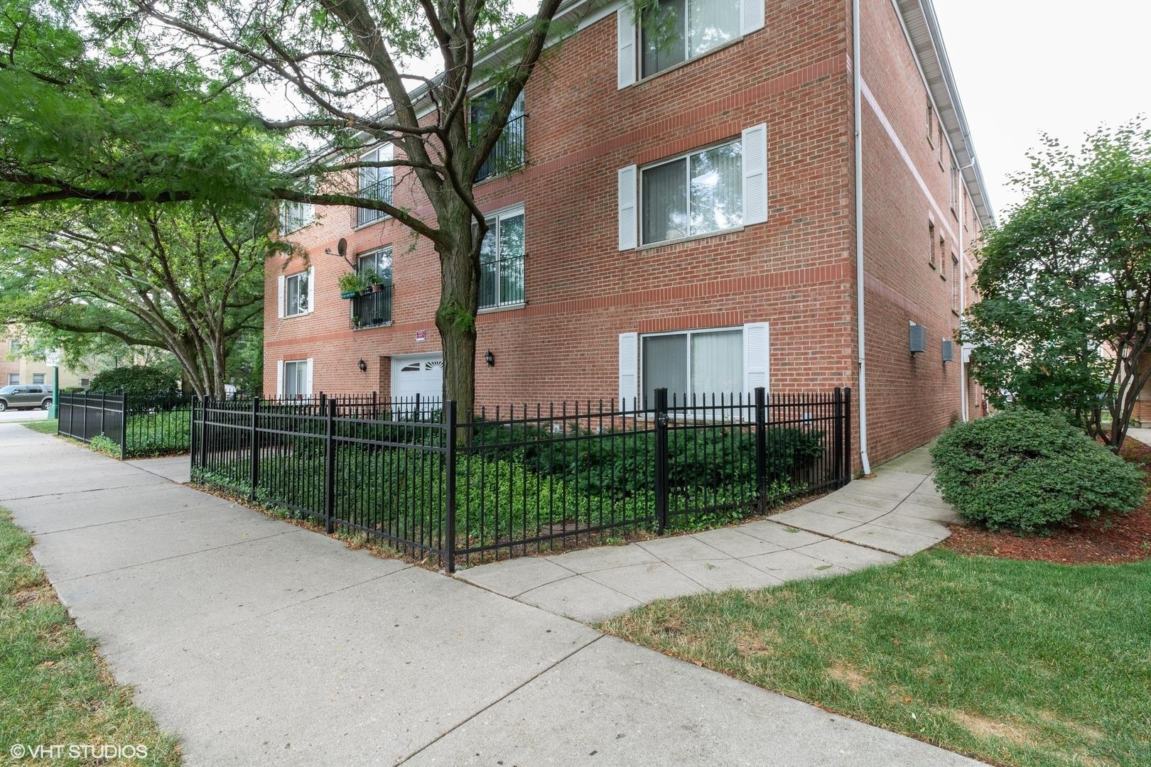 5450 W Gale Street #301, Chicago, IL 60630 - #: 10819473