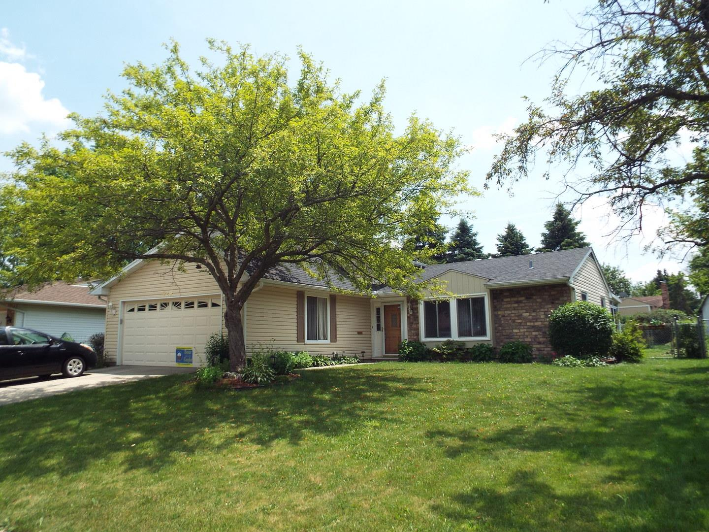 729 Country Lane N, Roselle, IL 60172 - #: 10757478