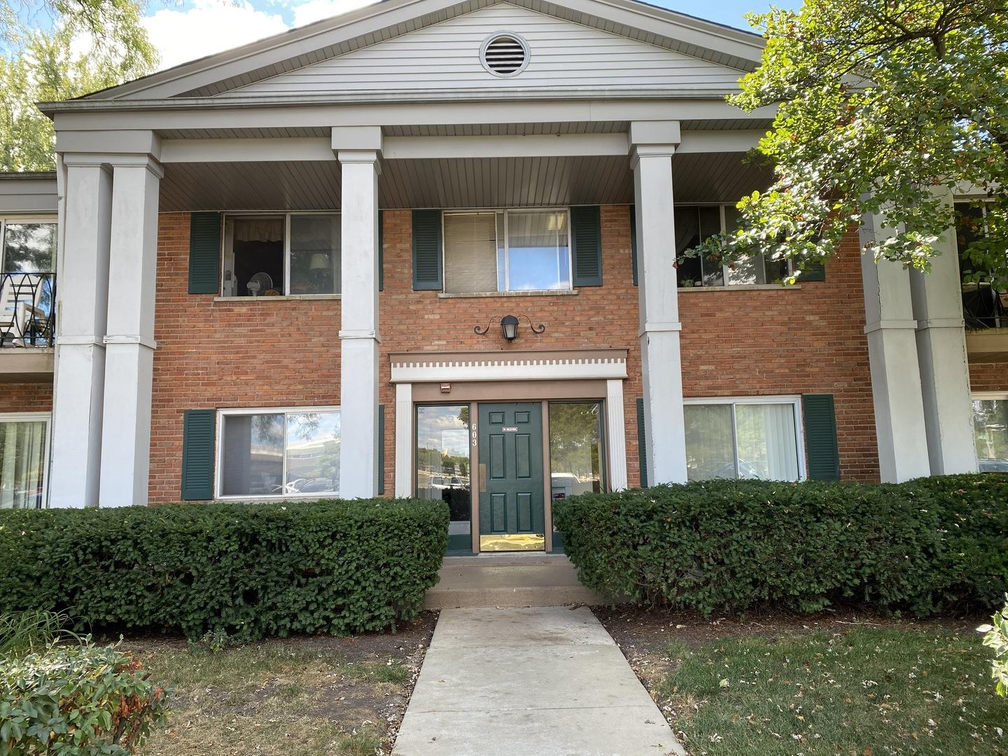 603 E Falcon Drive #104A, Arlington Heights, IL 60005 - #: 10841479