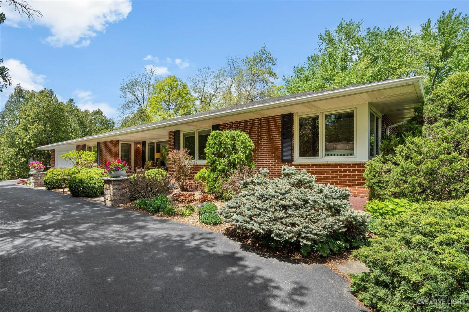 27W658 Hickory Lane, West Chicago, IL 60185 - #: 11086493
