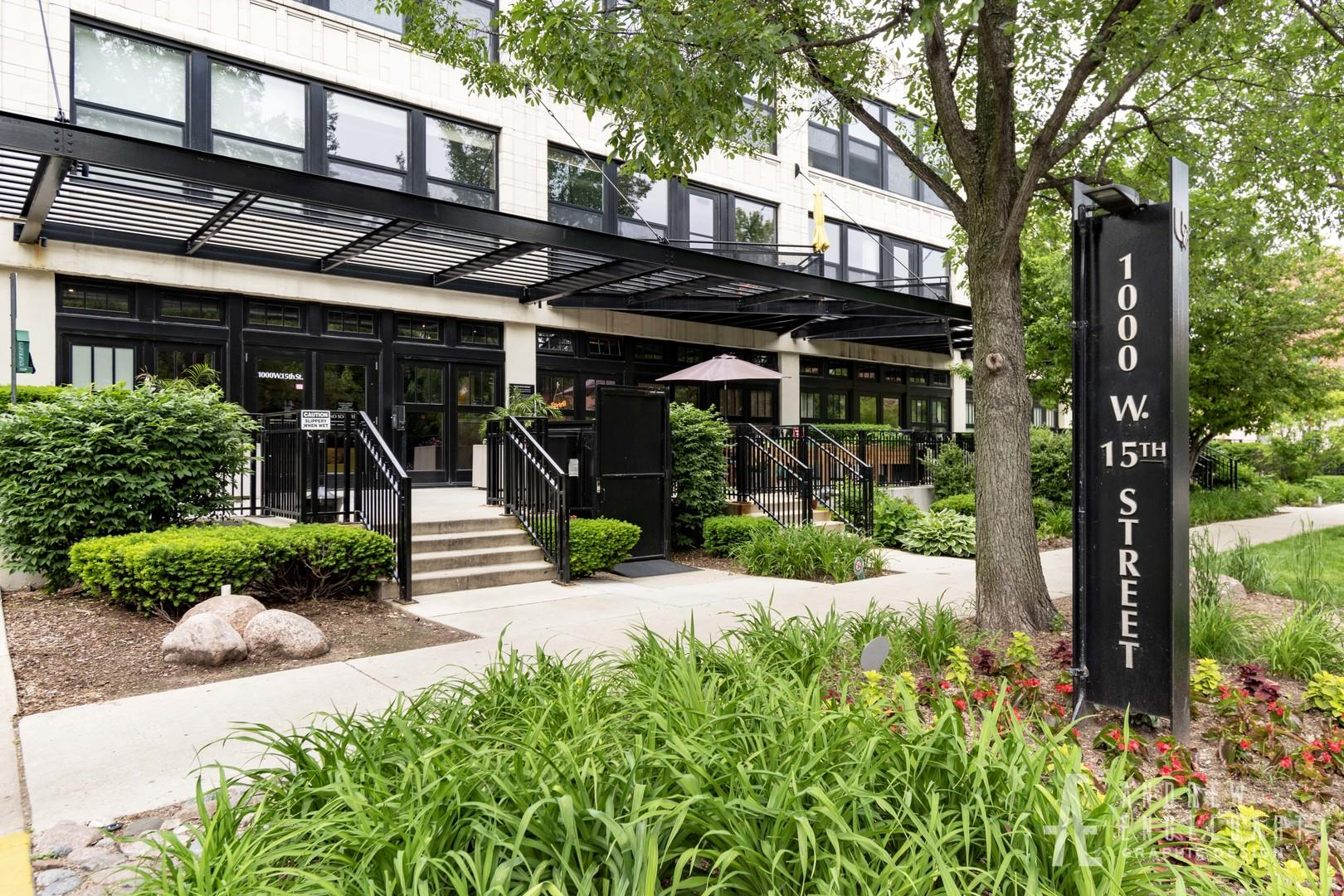 1000 W 15TH Street #337, Chicago, IL 60608 - #: 10744496