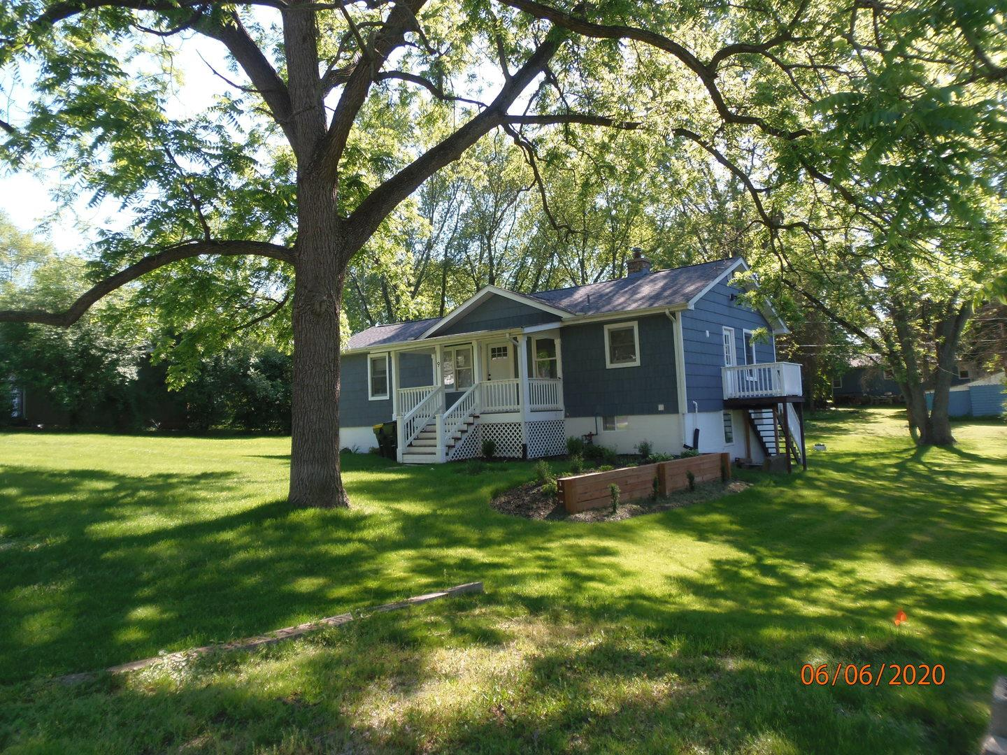 9 Indian Trail, Lake in the Hills, IL 60156 - #: 11027504