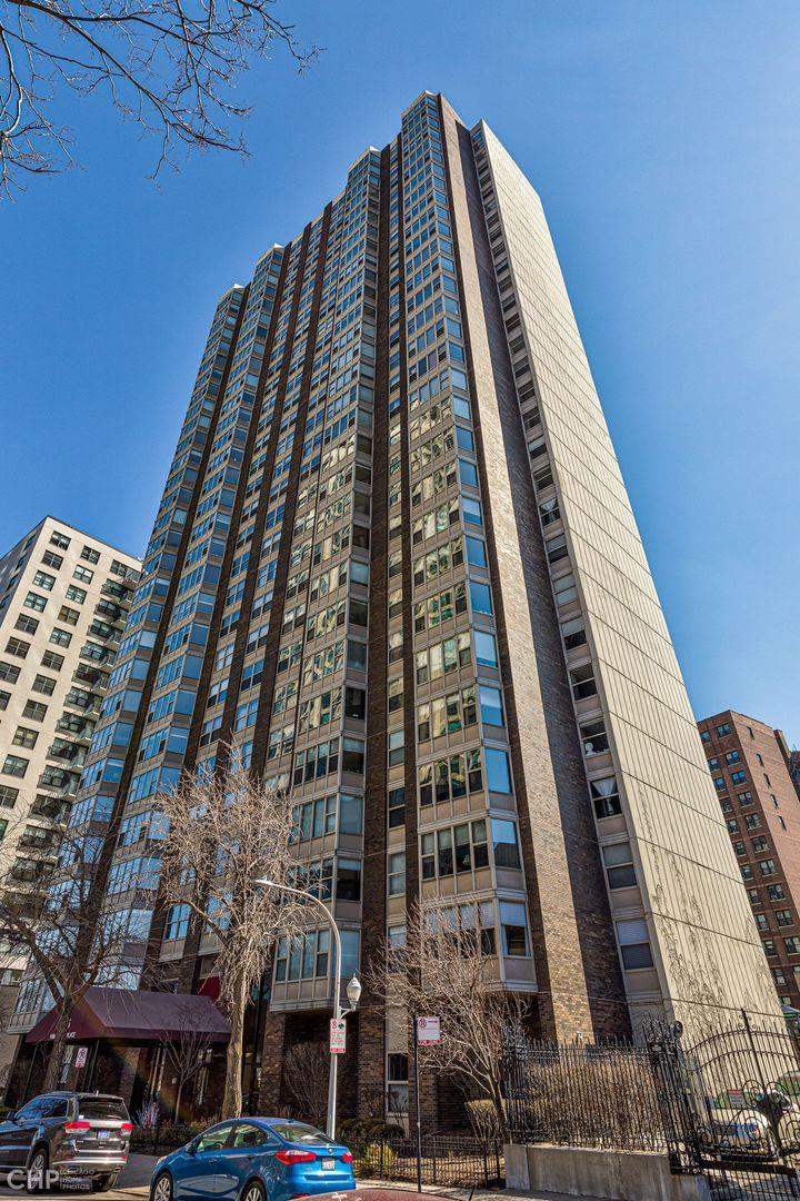 525 W HAWTHORNE Place #1801, Chicago, IL 60657 - #: 11020515