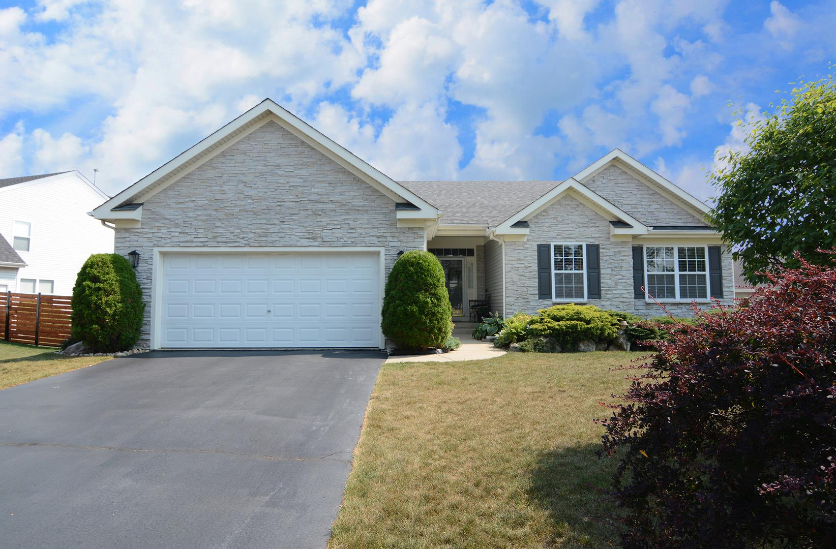 221 Winding Canyon Way, Algonquin, IL 60102 - #: 11173516