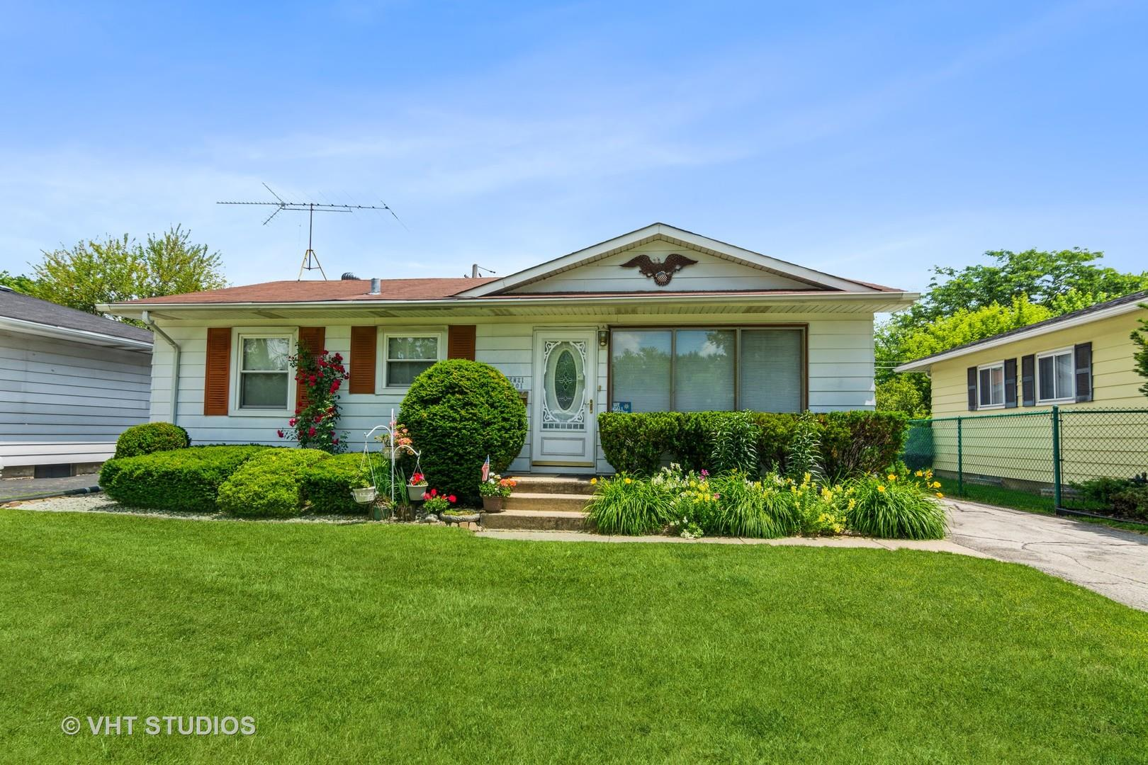 3301 Lynwood Avenue, South Chicago Heights, IL 60411 - #: 11119520