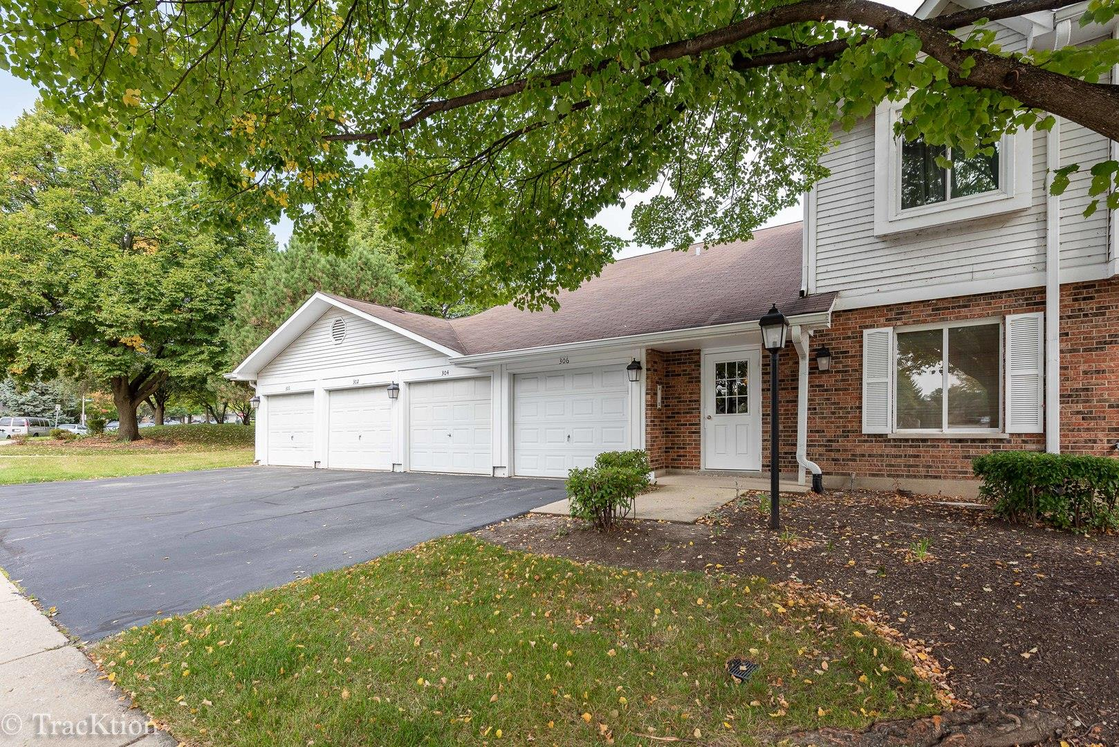 300 SANDPEBBLE Lane #300, Aurora, IL 60504 - #: 10880526