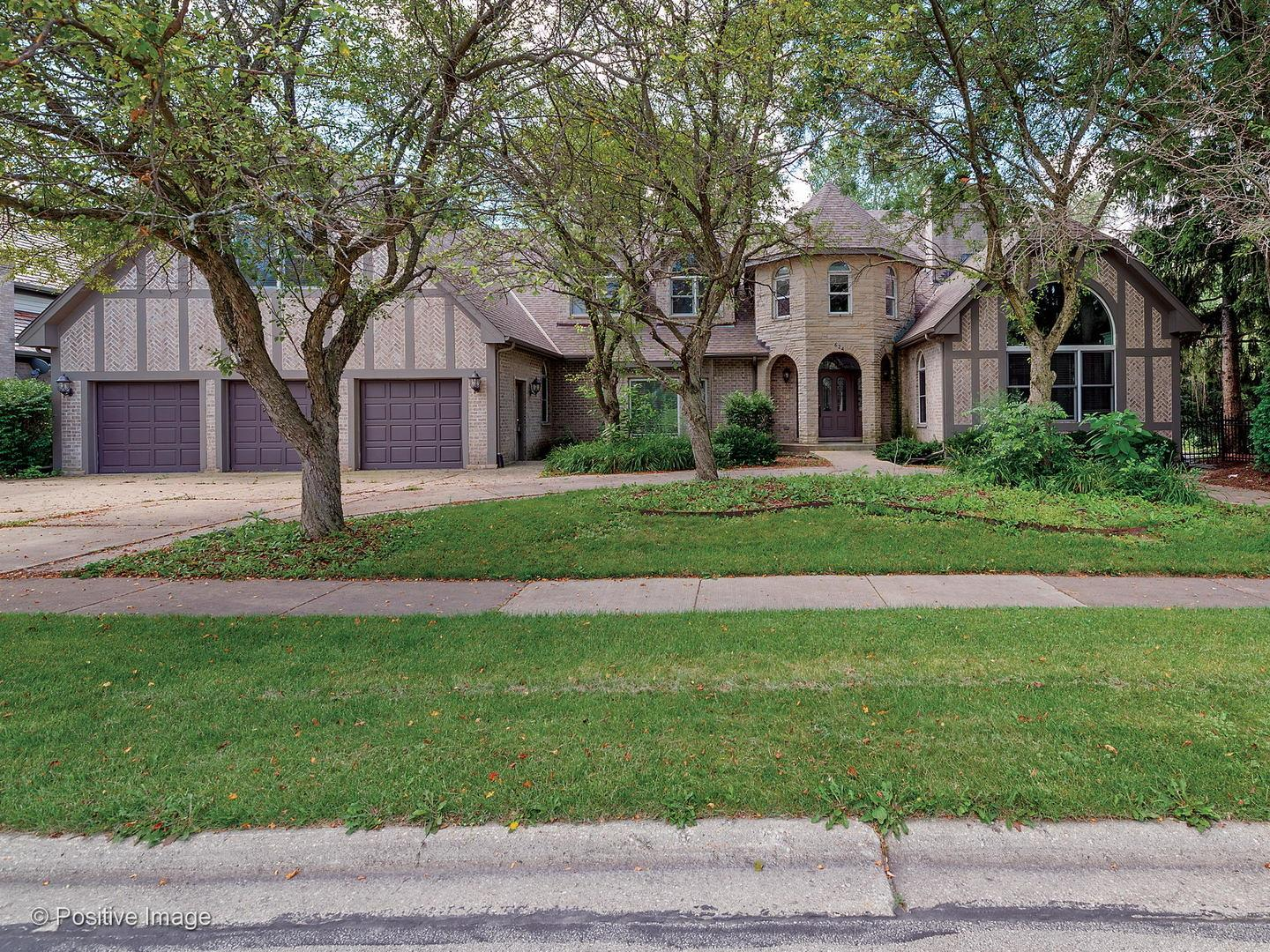 624 Robinwood Court, Wheaton, IL 60189 - #: 10984527