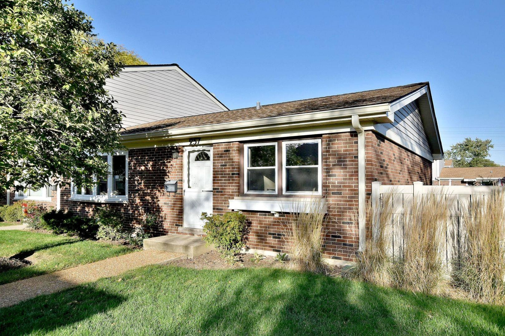 257 Green Court, Wood Dale, IL 60191 - #: 10921528