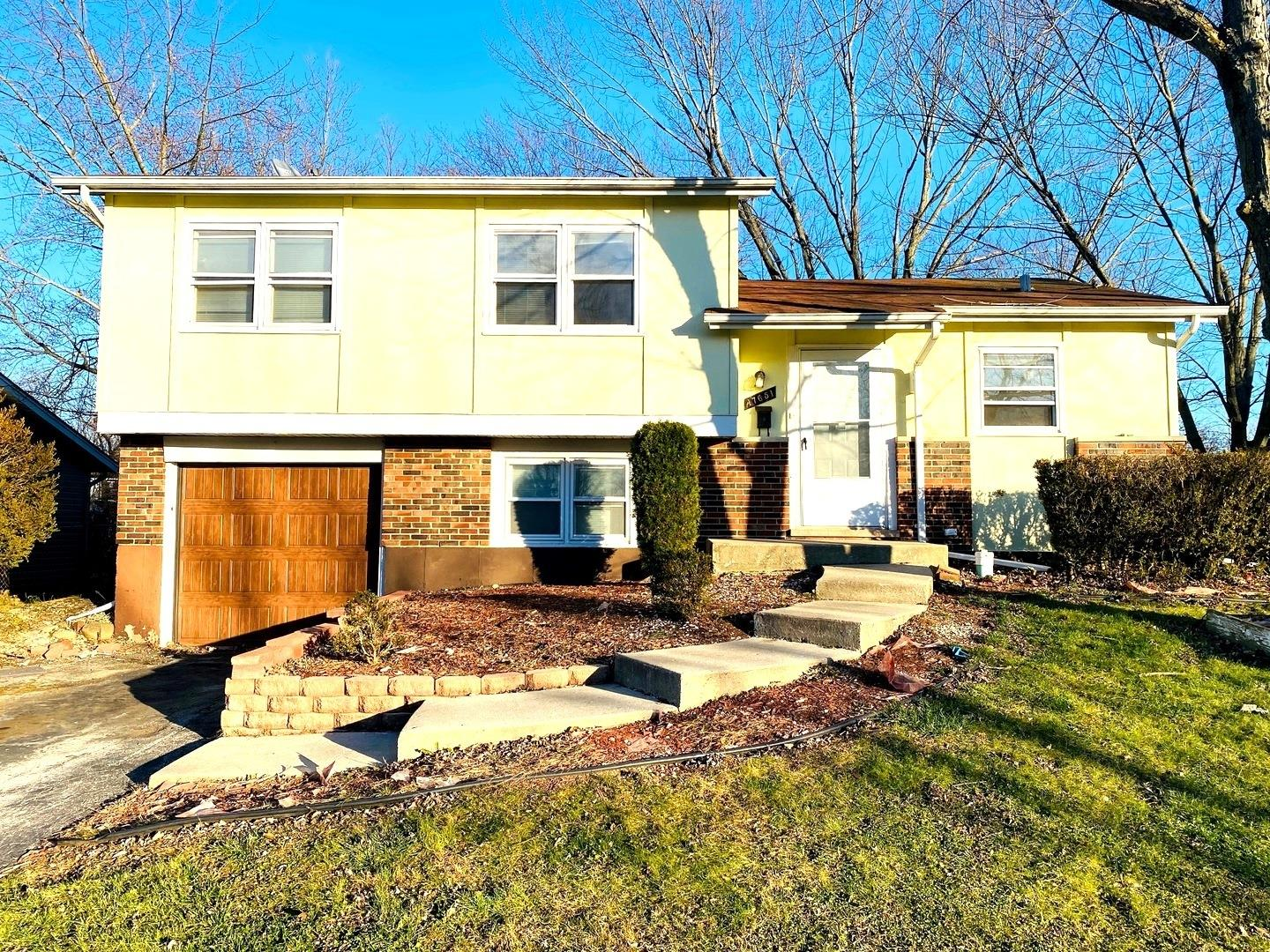 17651 Hillcrest Drive, Country Club Hills, IL 60478 - #: 10964529