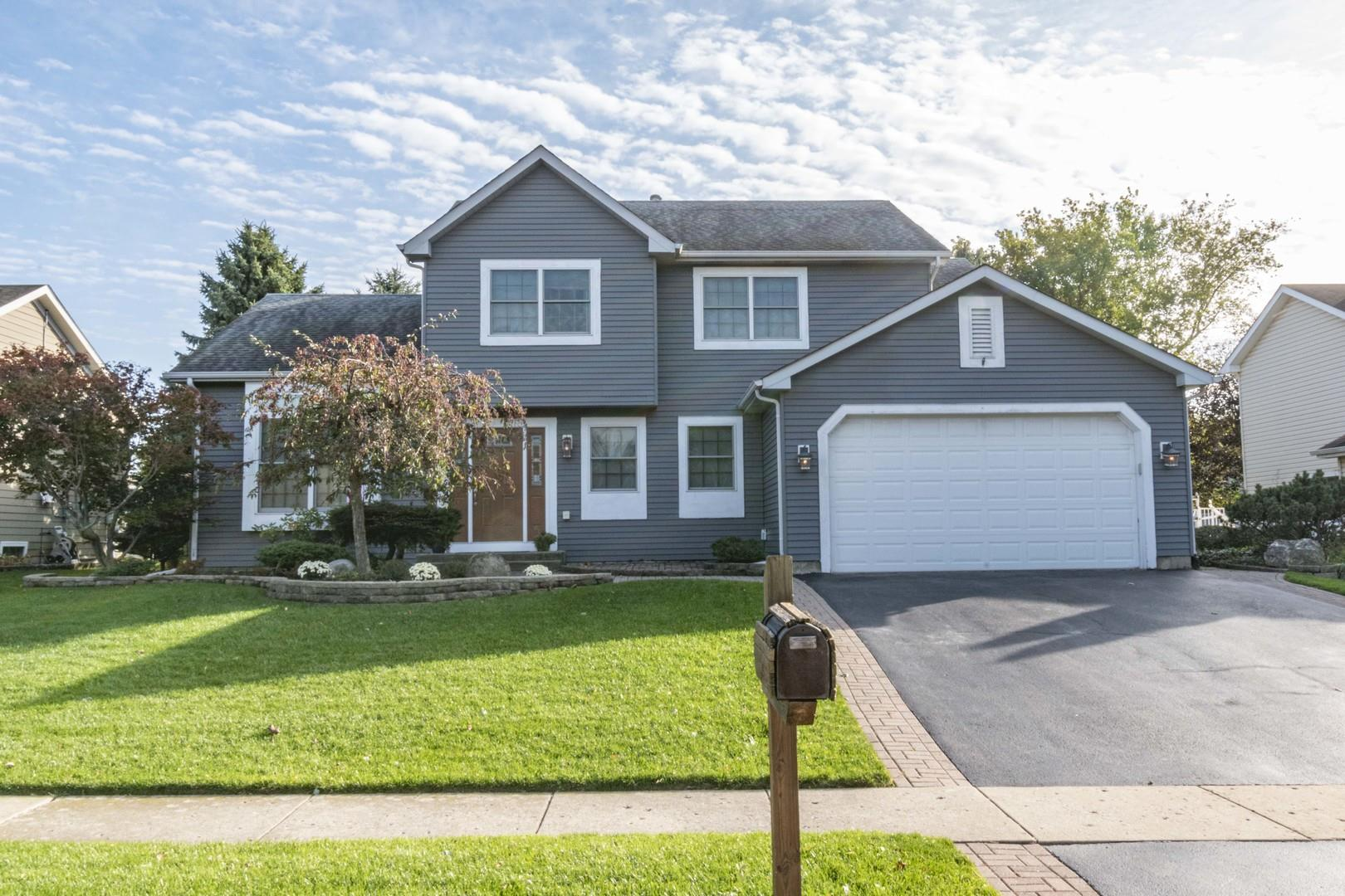 327 Wooded Knoll Drive, Cary, IL 60013 - #: 10580536