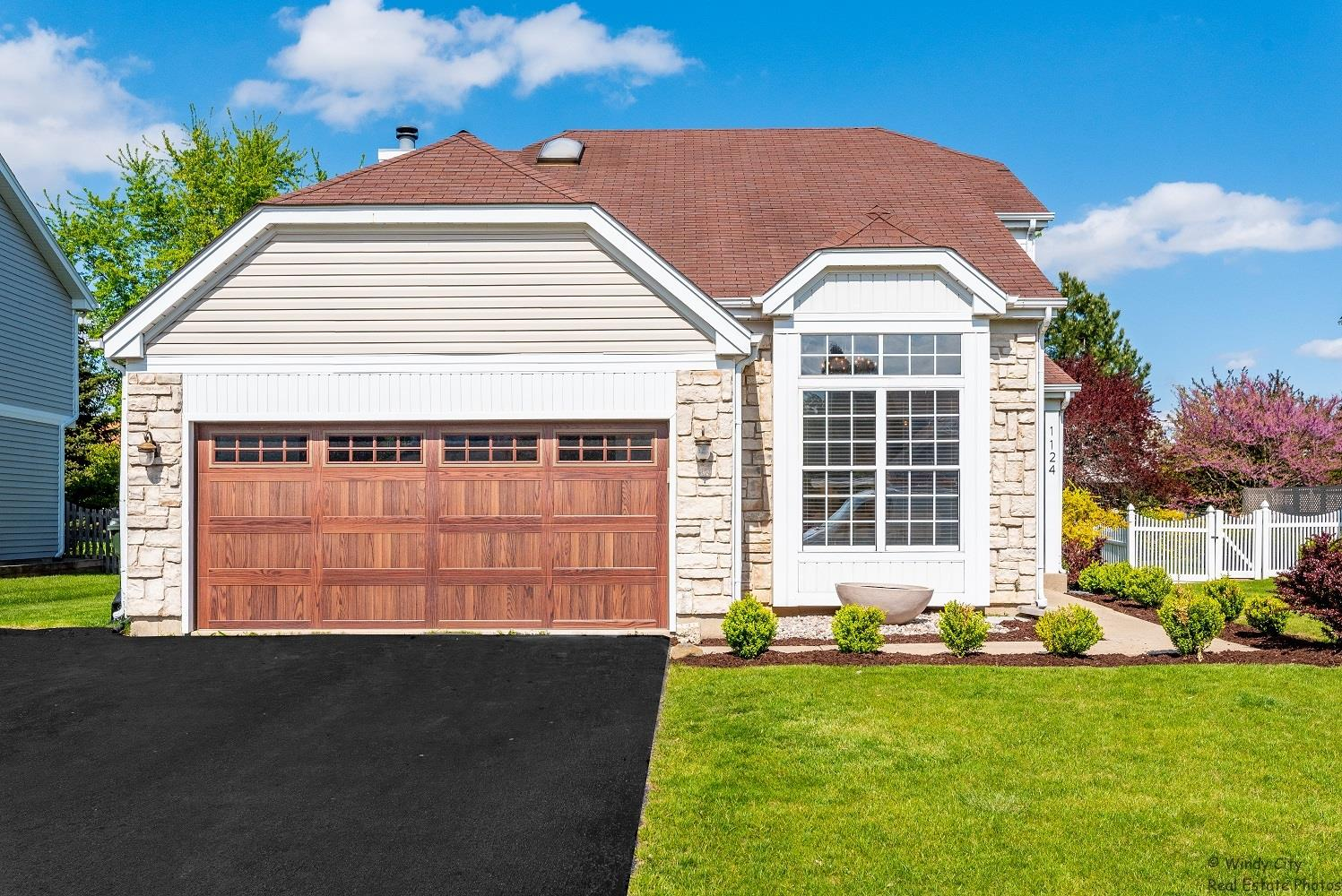 1124 Oxford Lane, South Elgin, IL 60177 - #: 11087538