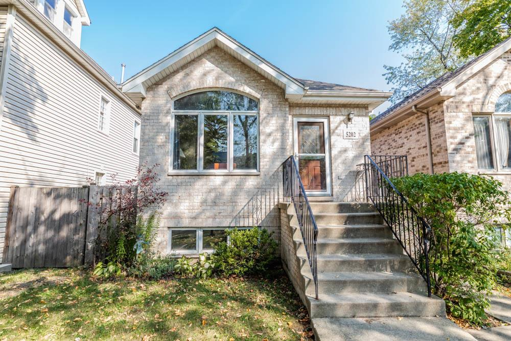 5202 W Strong Street, Chicago, IL 60630 - #: 10931544