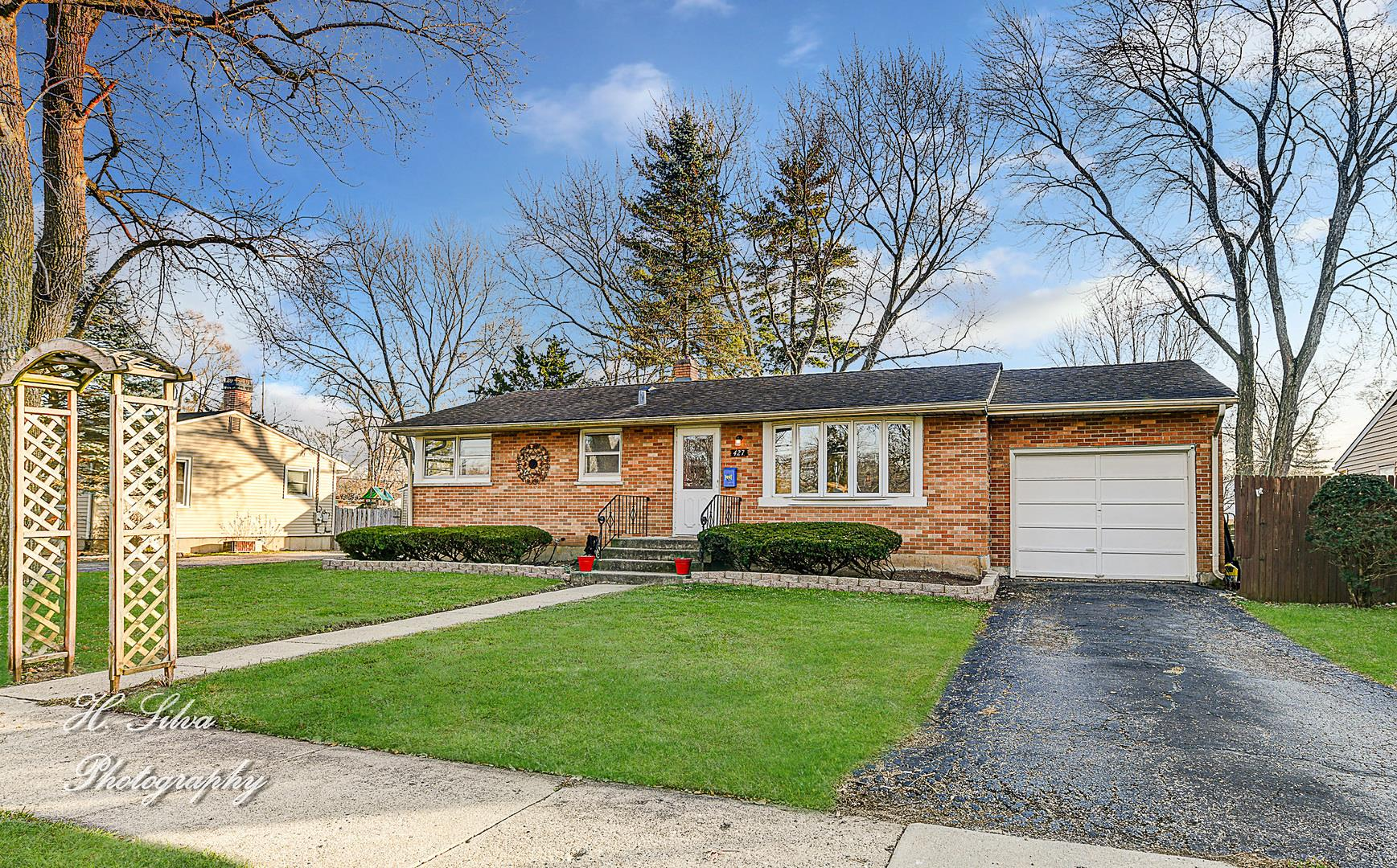427 W James Way, Cary, IL 60013 - #: 10952544