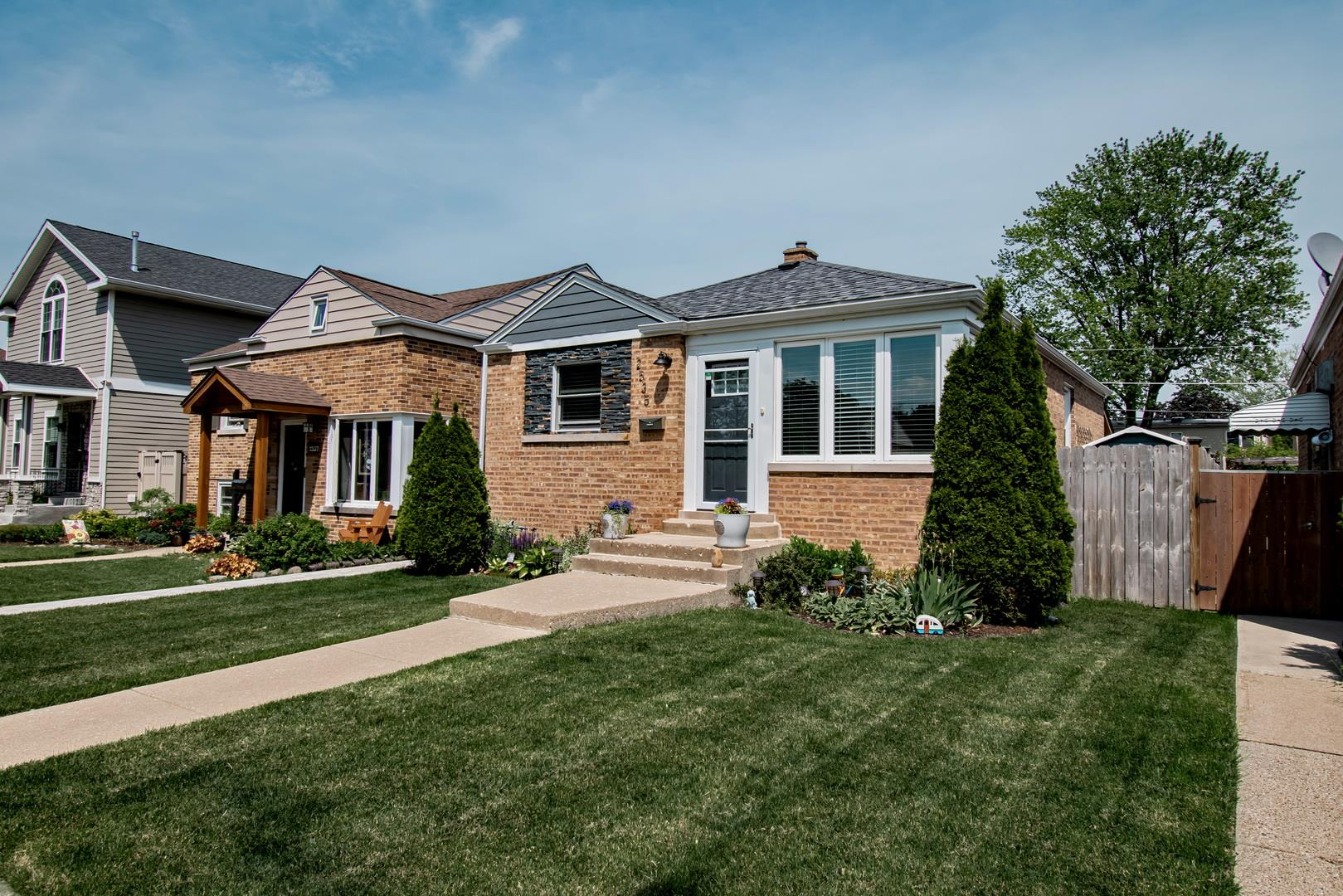 2535 West Street, River Grove, IL 60171 - #: 11109545