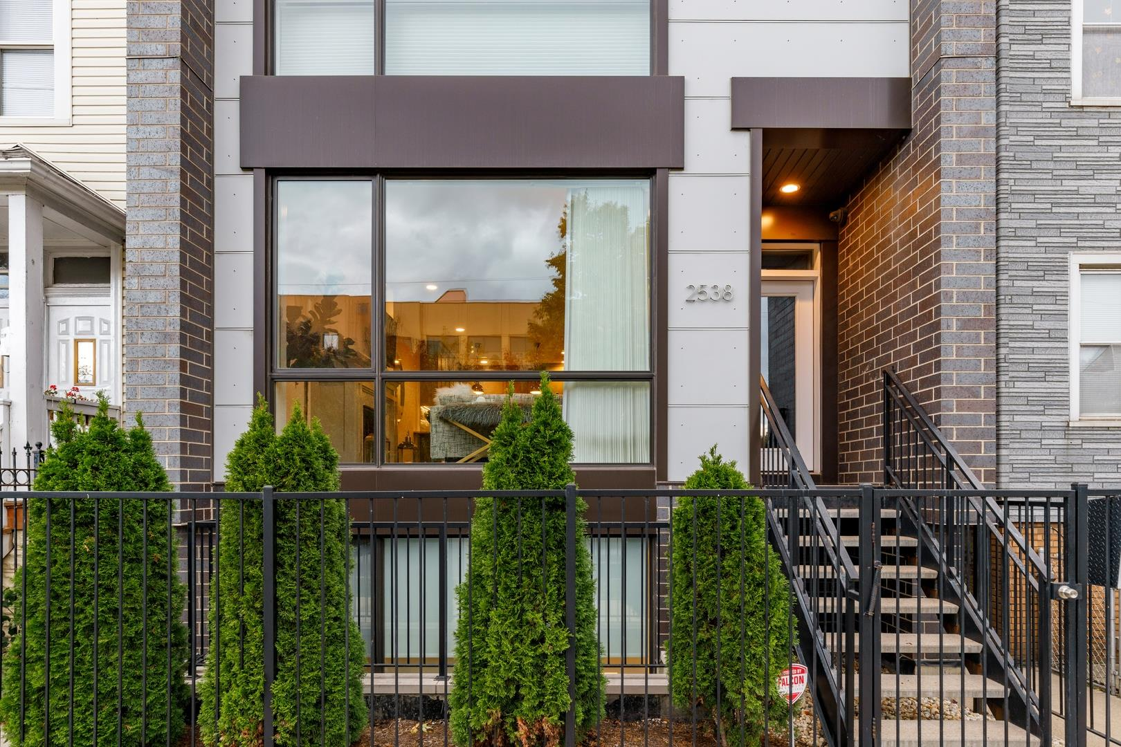 2538 N Ashland Avenue #1, Chicago, IL 60614 - #: 10914551